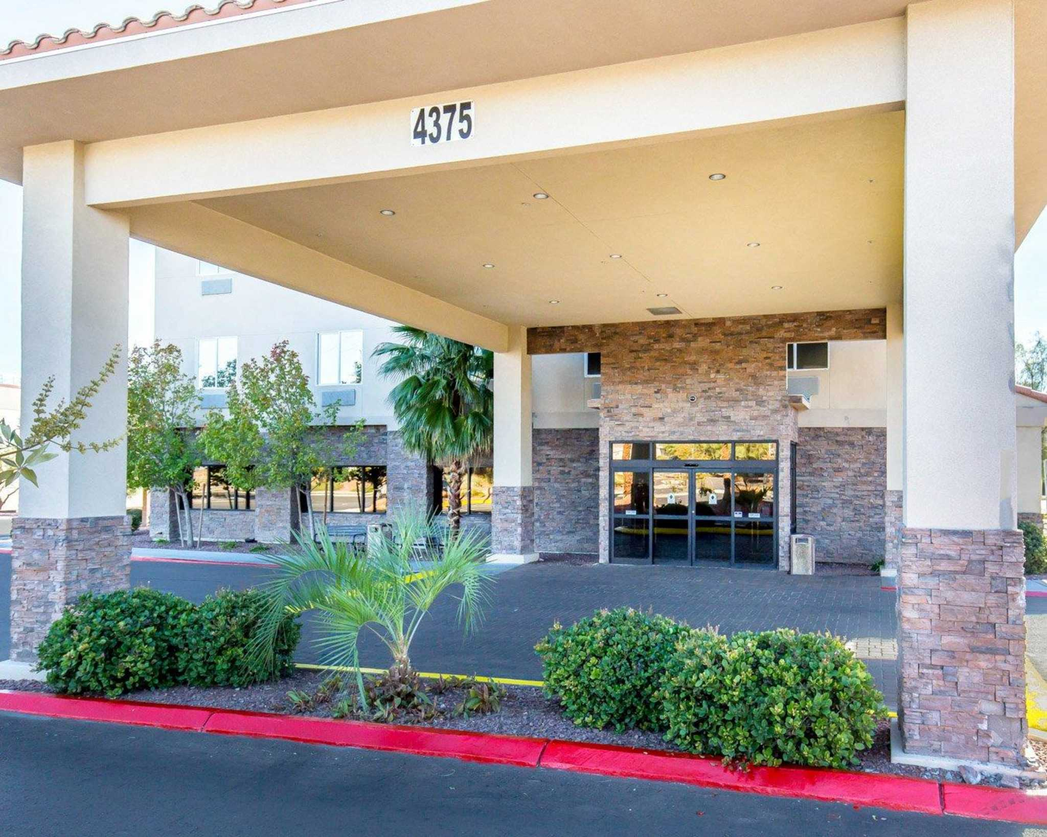 Comfort Inn & Suites Las Vegas - Nellis image 1