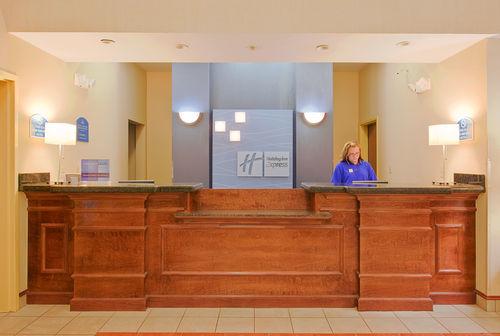 Holiday Inn Express & Suites Panama City-Tyndall image 3
