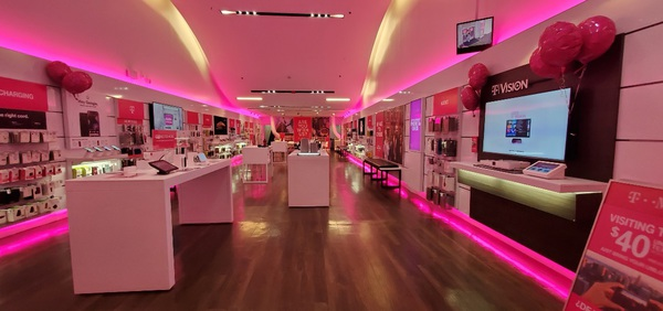 T Mobile Store At 124 West 34th Street New York Ny T Mobile