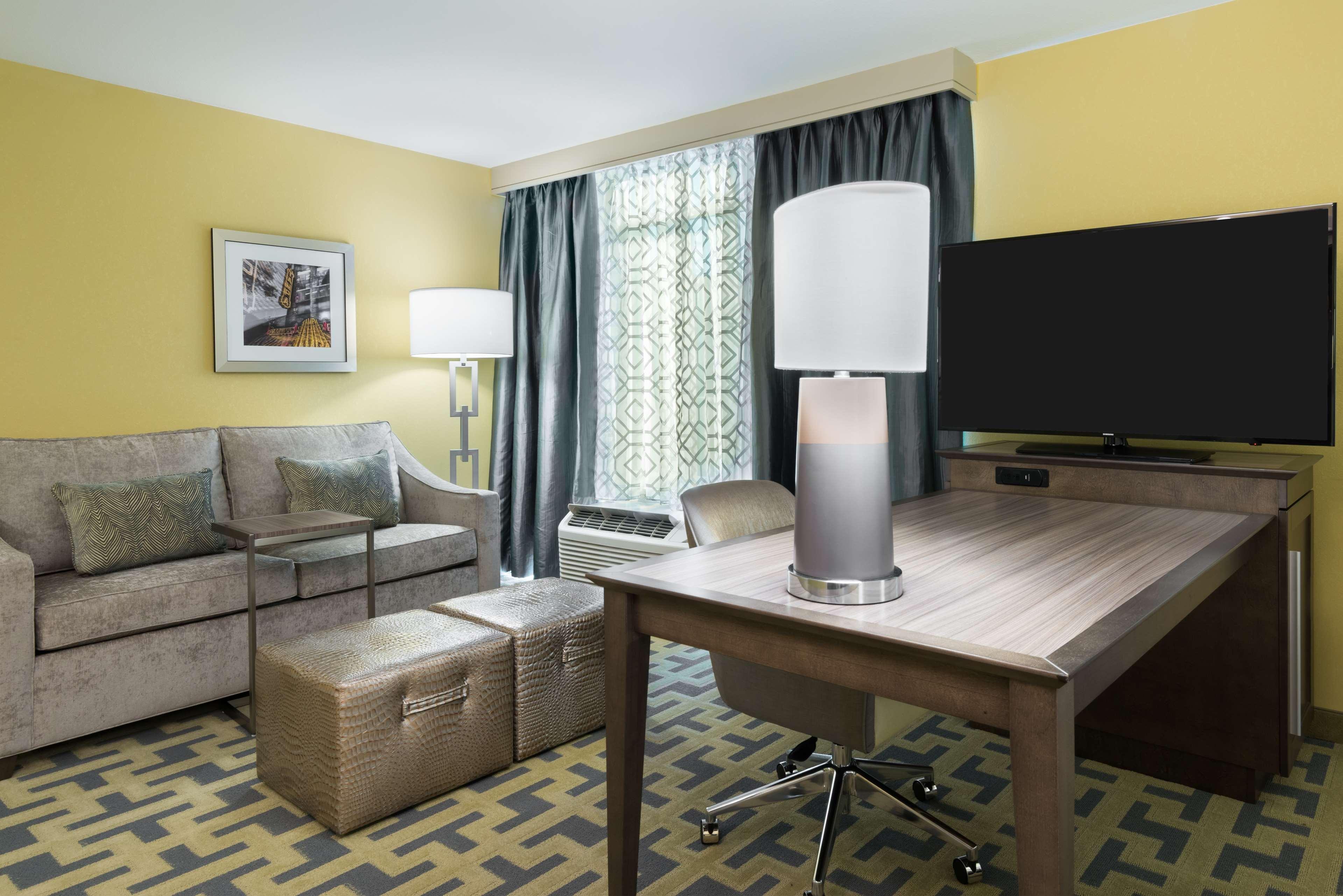 Hampton Inn & Suites Tampa Airport Avion Park Westshore image 16