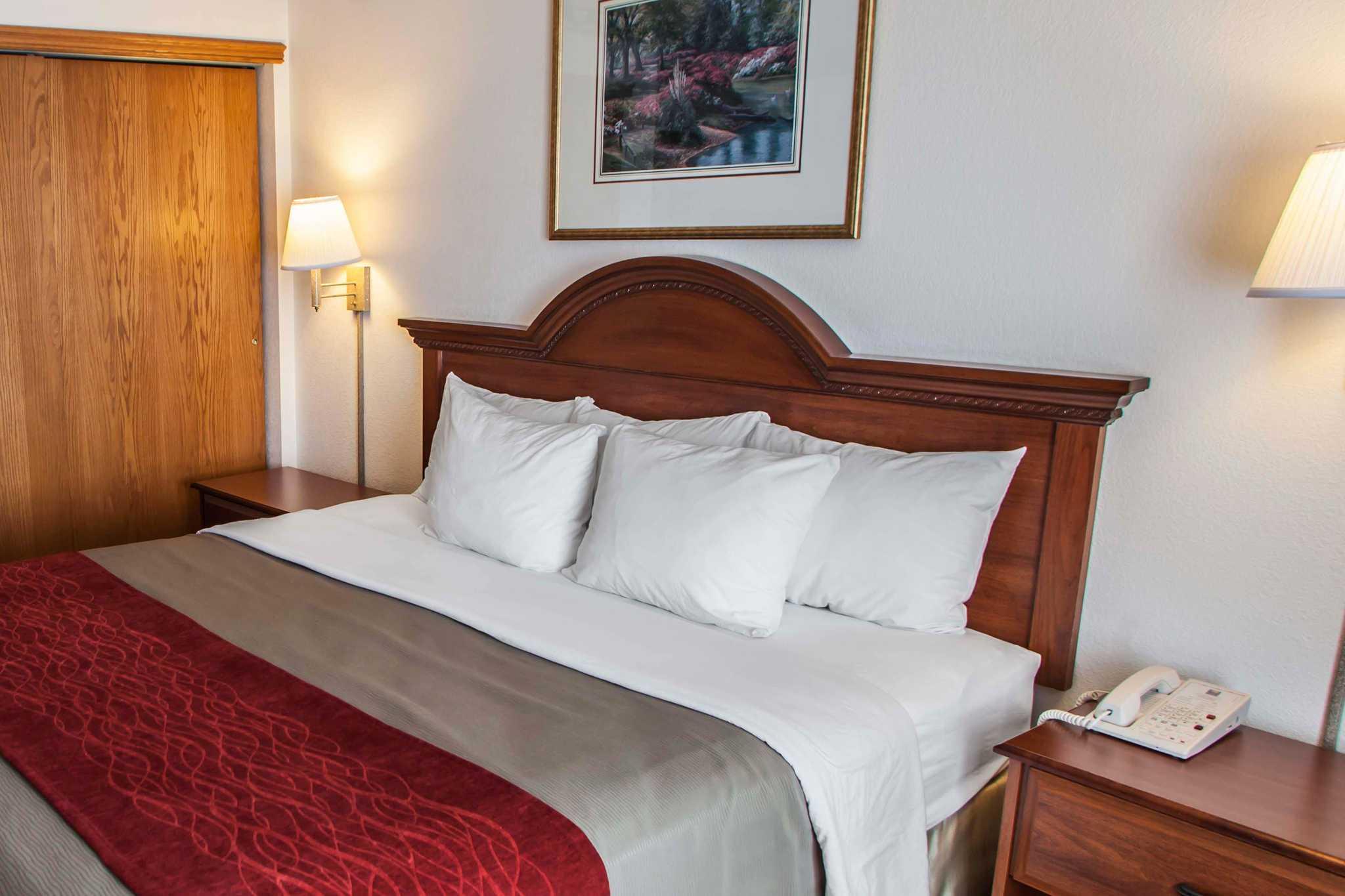 Comfort Inn & Suites in Geneva, IL, photo #7
