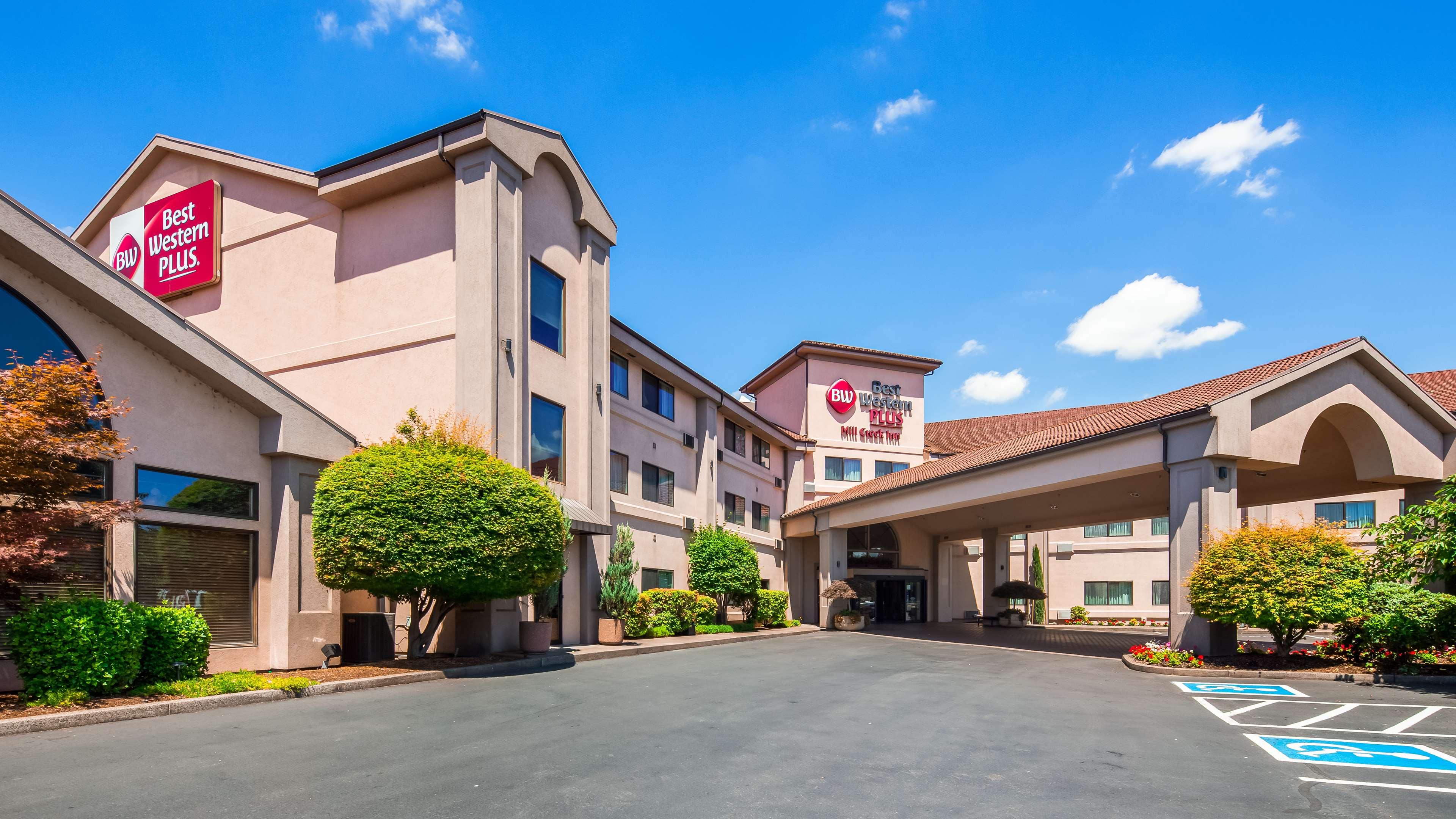 Best Western Plus Mill Creek Inn