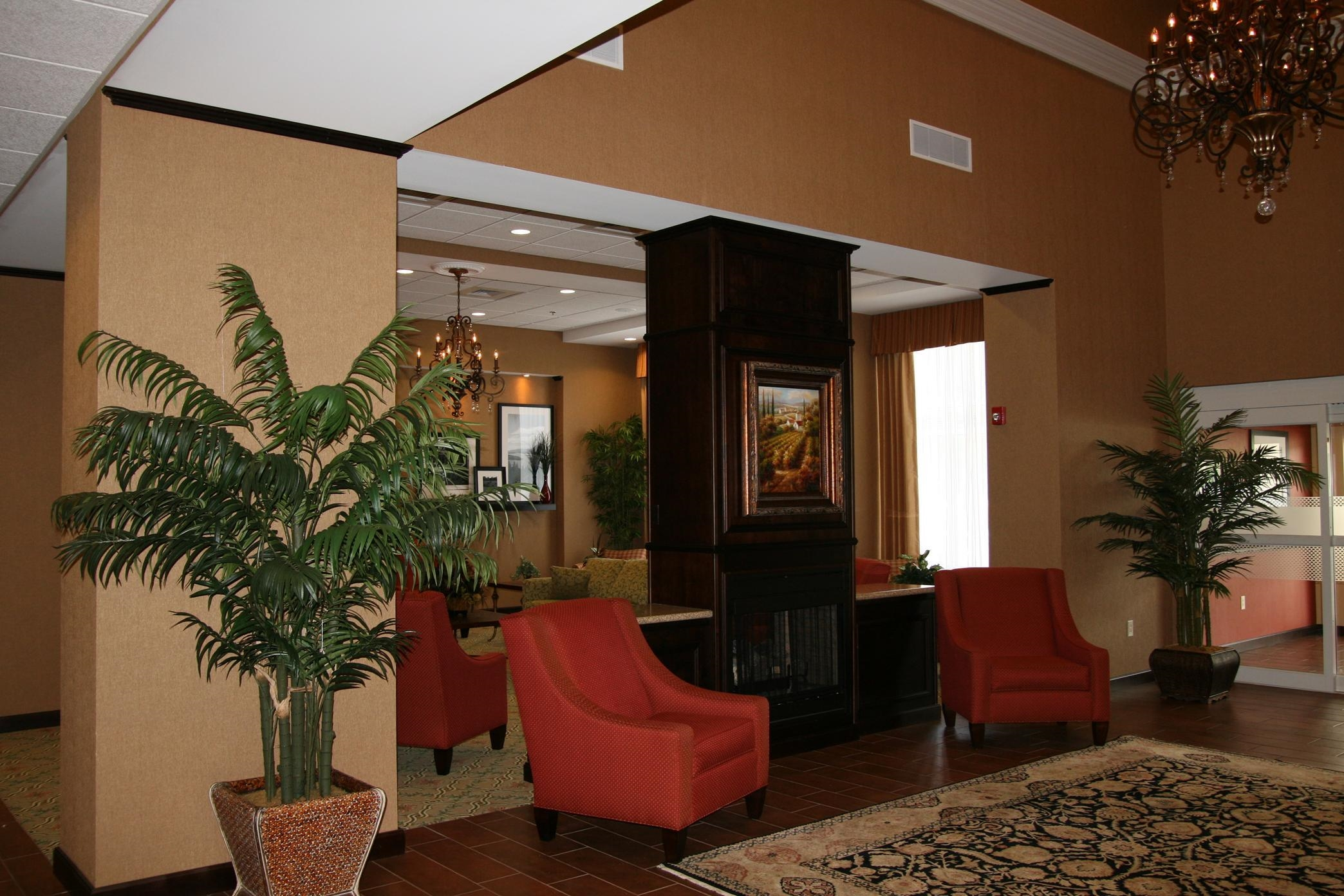 Hampton Inn & Suites Huntsville Hampton Cove image 0