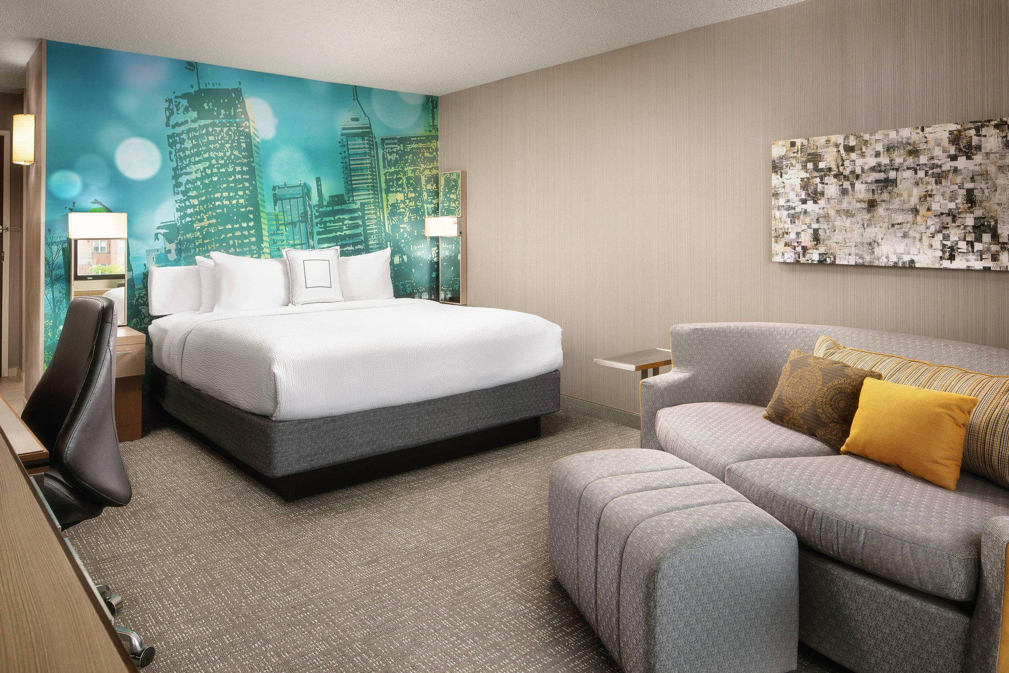 Courtyard by Marriott Indianapolis at the Capitol