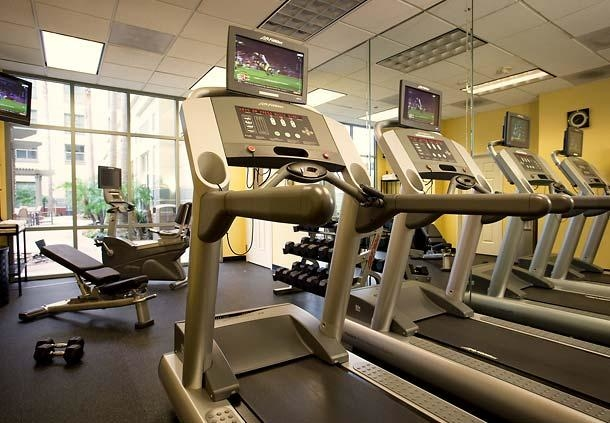 Fitness Center - Stay in shape while on the road by utilizing our Irvine hotel's gym. We offer cardiovascular equipment and free weights to help you maintain your exercise routine.