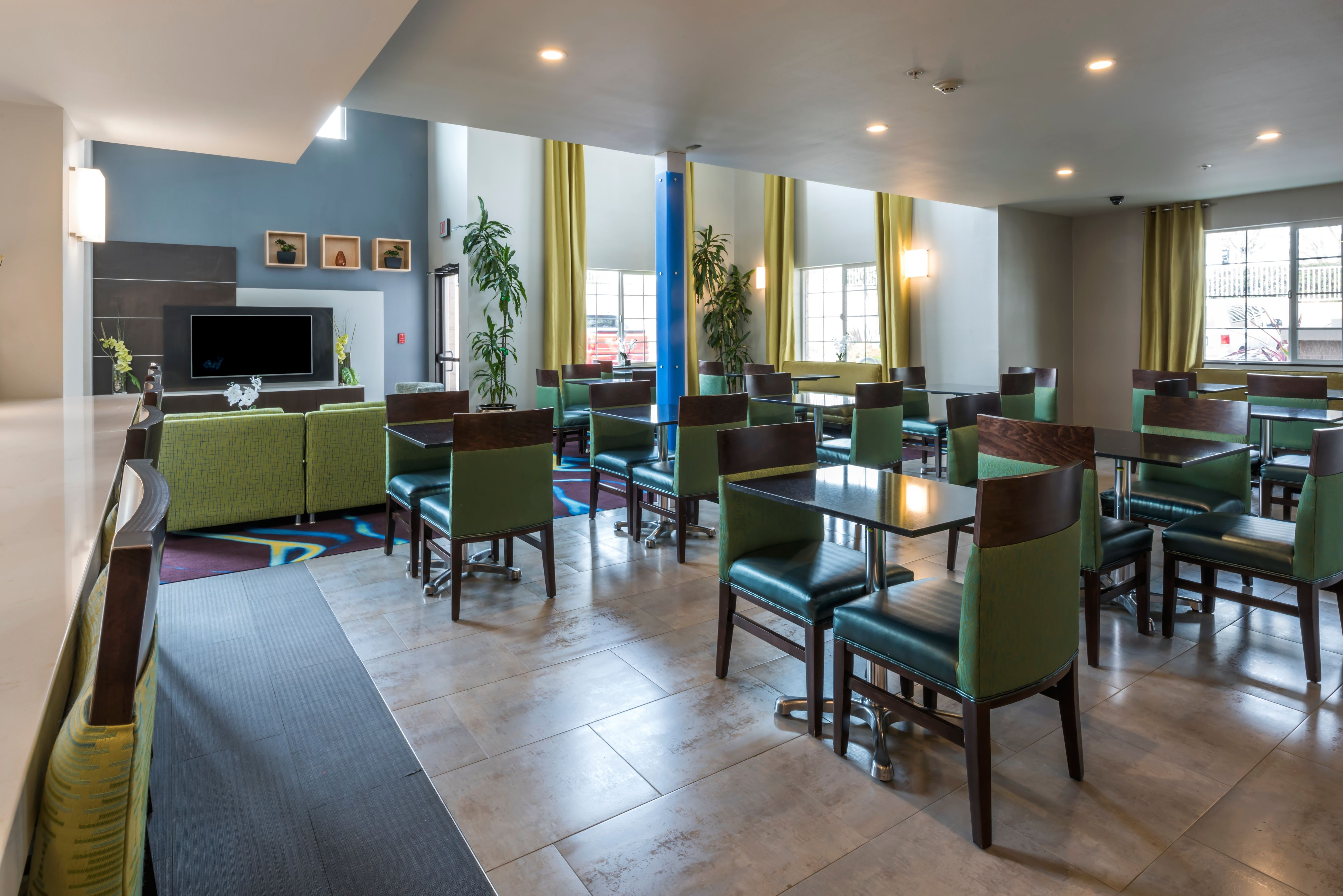 Holiday Inn Express & Suites Livermore image 4