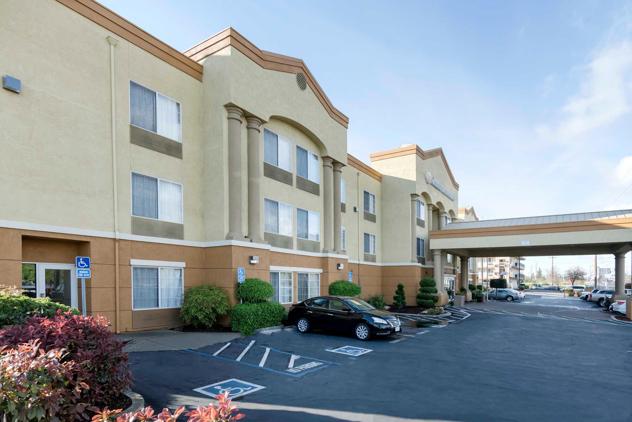 Comfort Inn & Suites Sacramento - University Area image 4