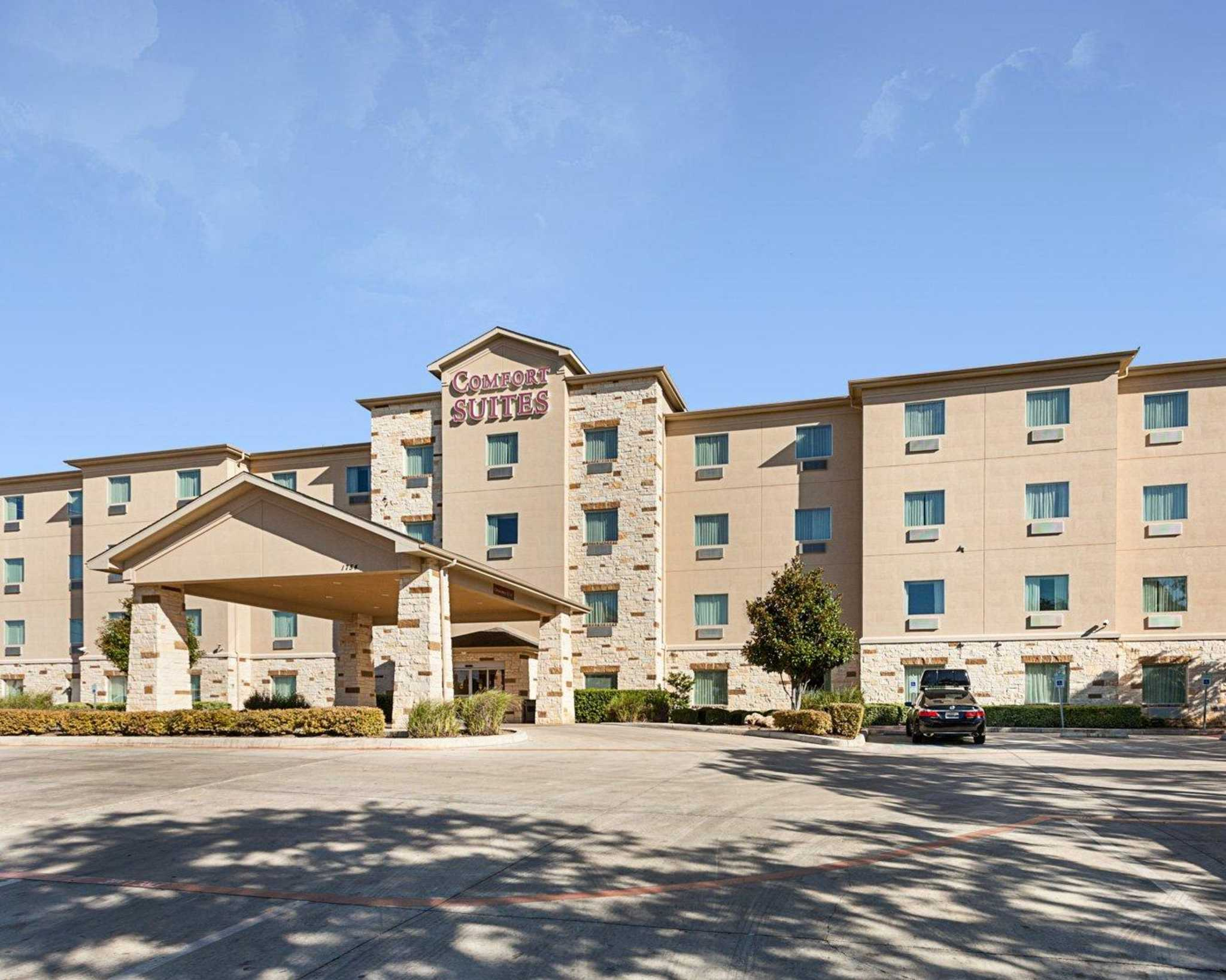 Comfort Suites San Antonio North - Stone Oak image 2