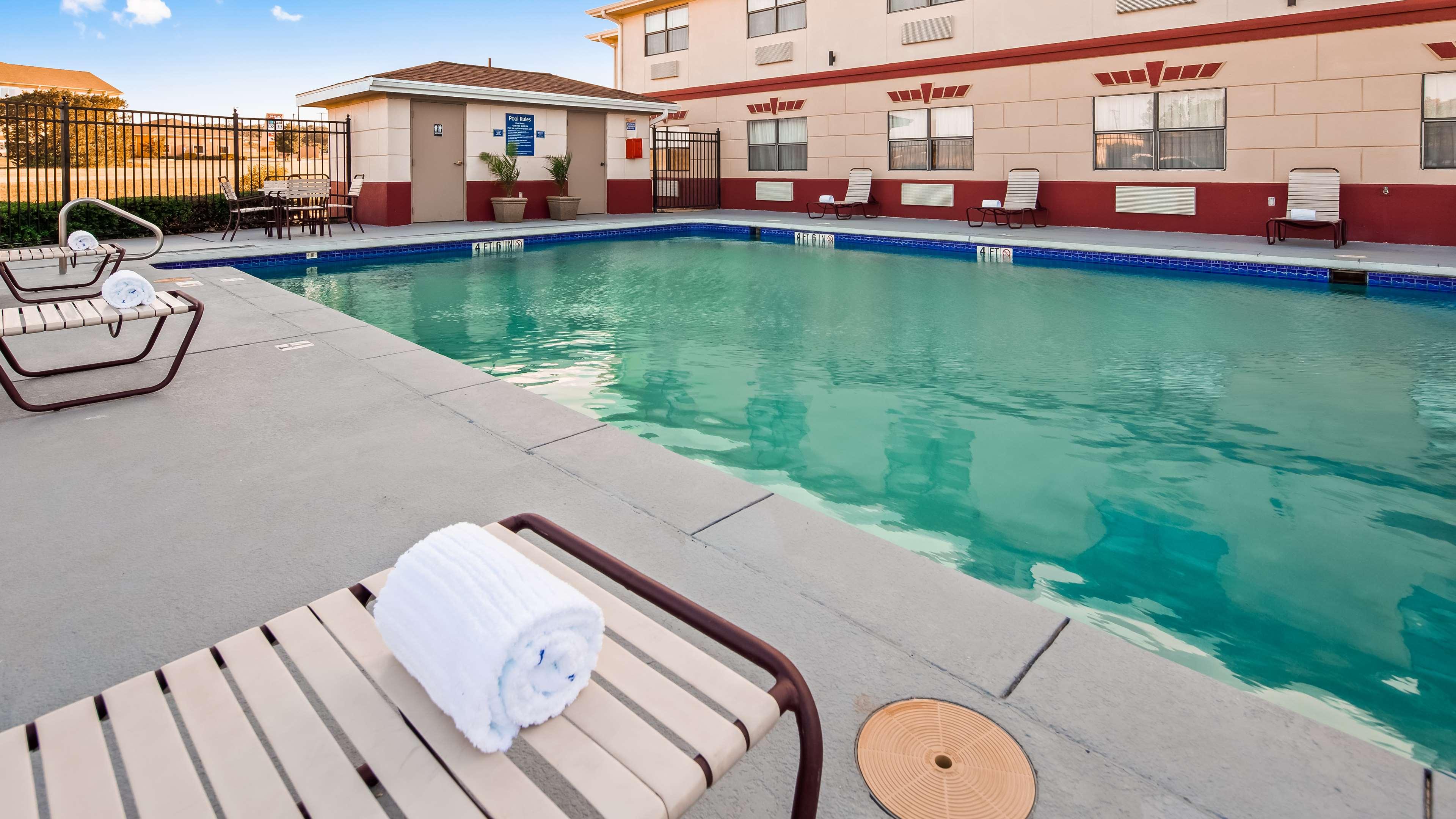 Best Western Inn & Suites image 9