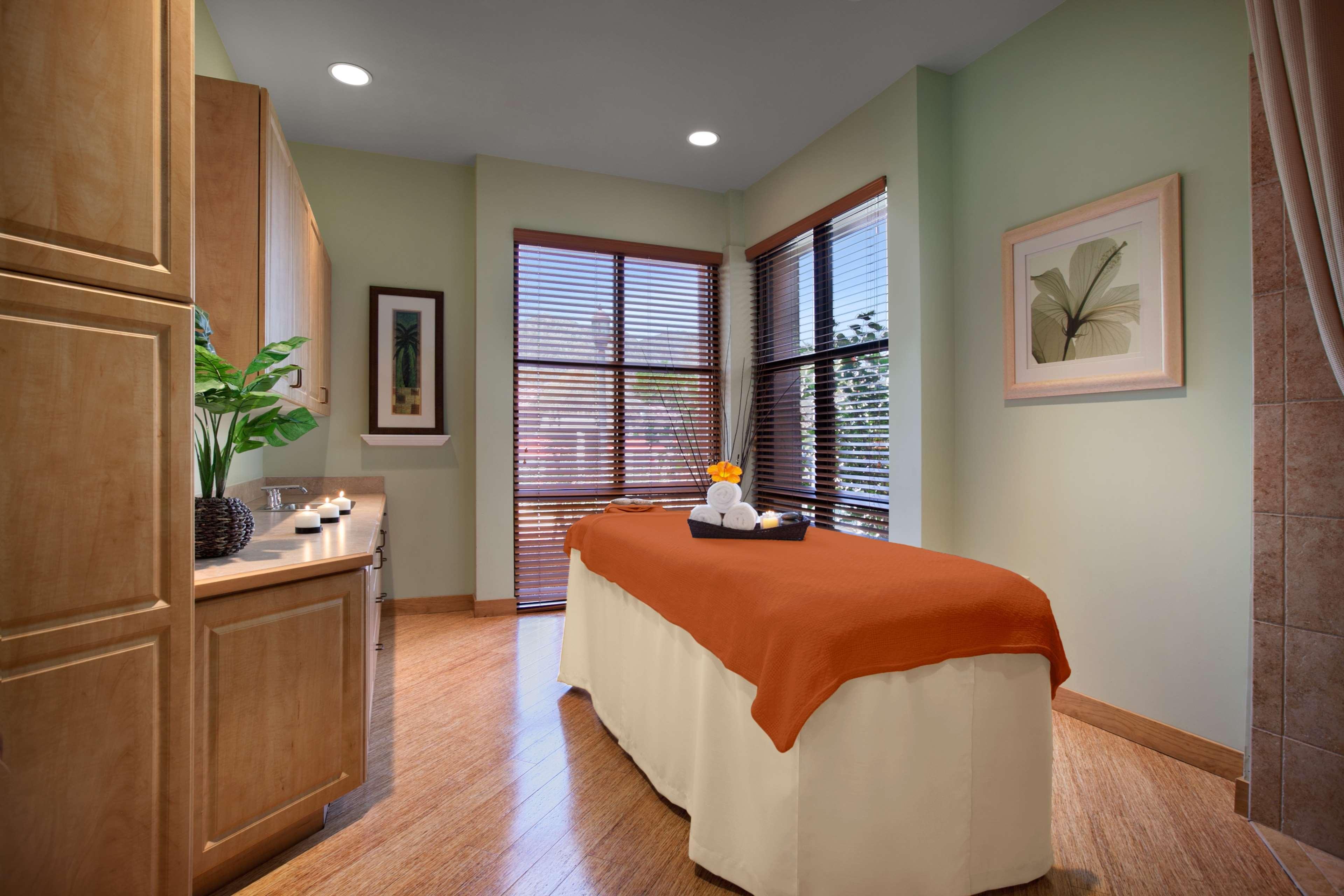 Embassy Suites by Hilton La Quinta Hotel & Spa image 38
