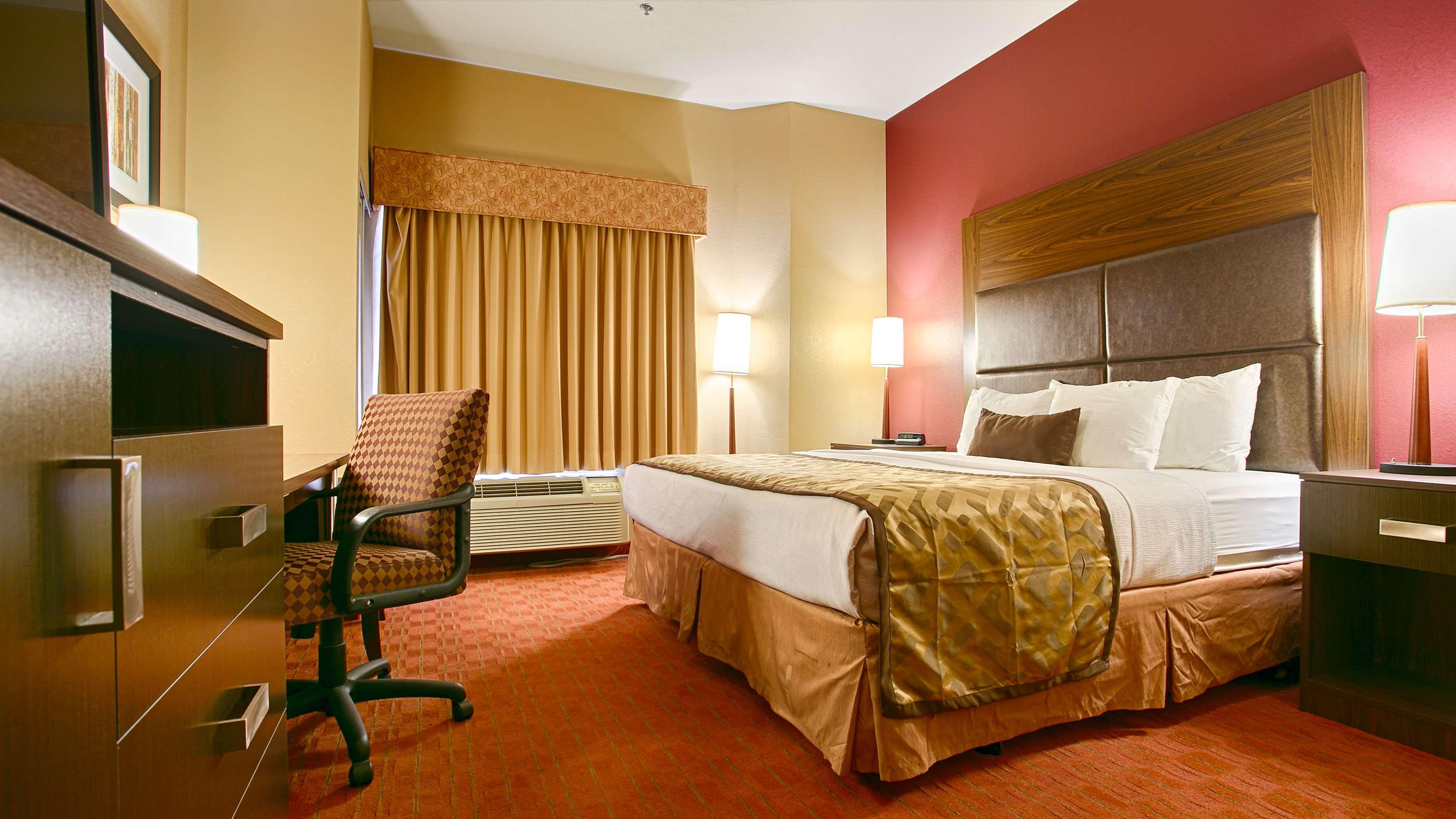 Best Western Plus Woodland Hills Hotel & Suites image 22