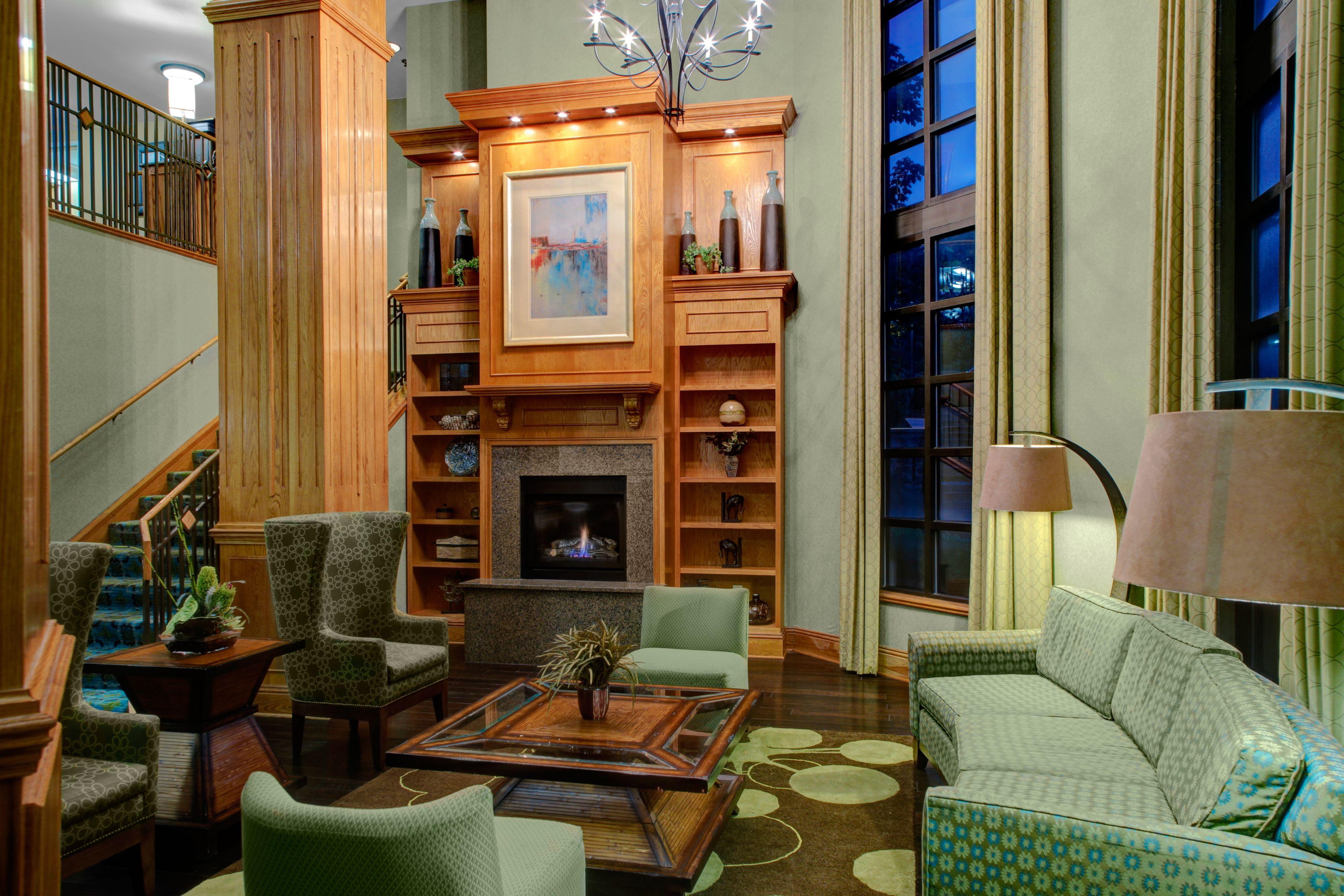 Holiday Inn Express & Suites Atlanta Buckhead image 4