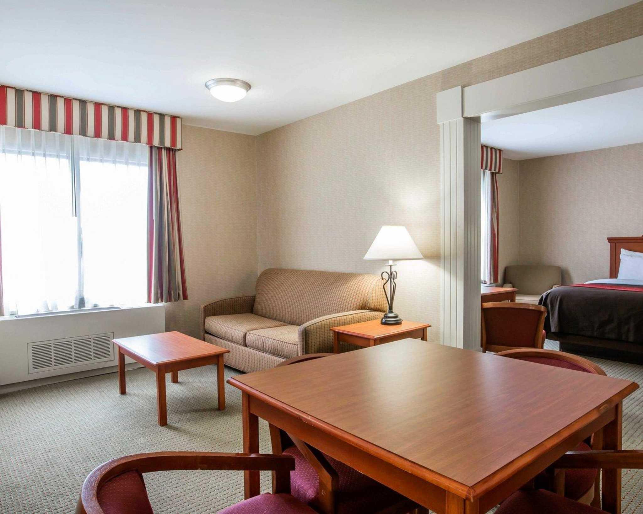 Comfort Inn & Suites adj to Akwesasne Mohawk Casino image 43