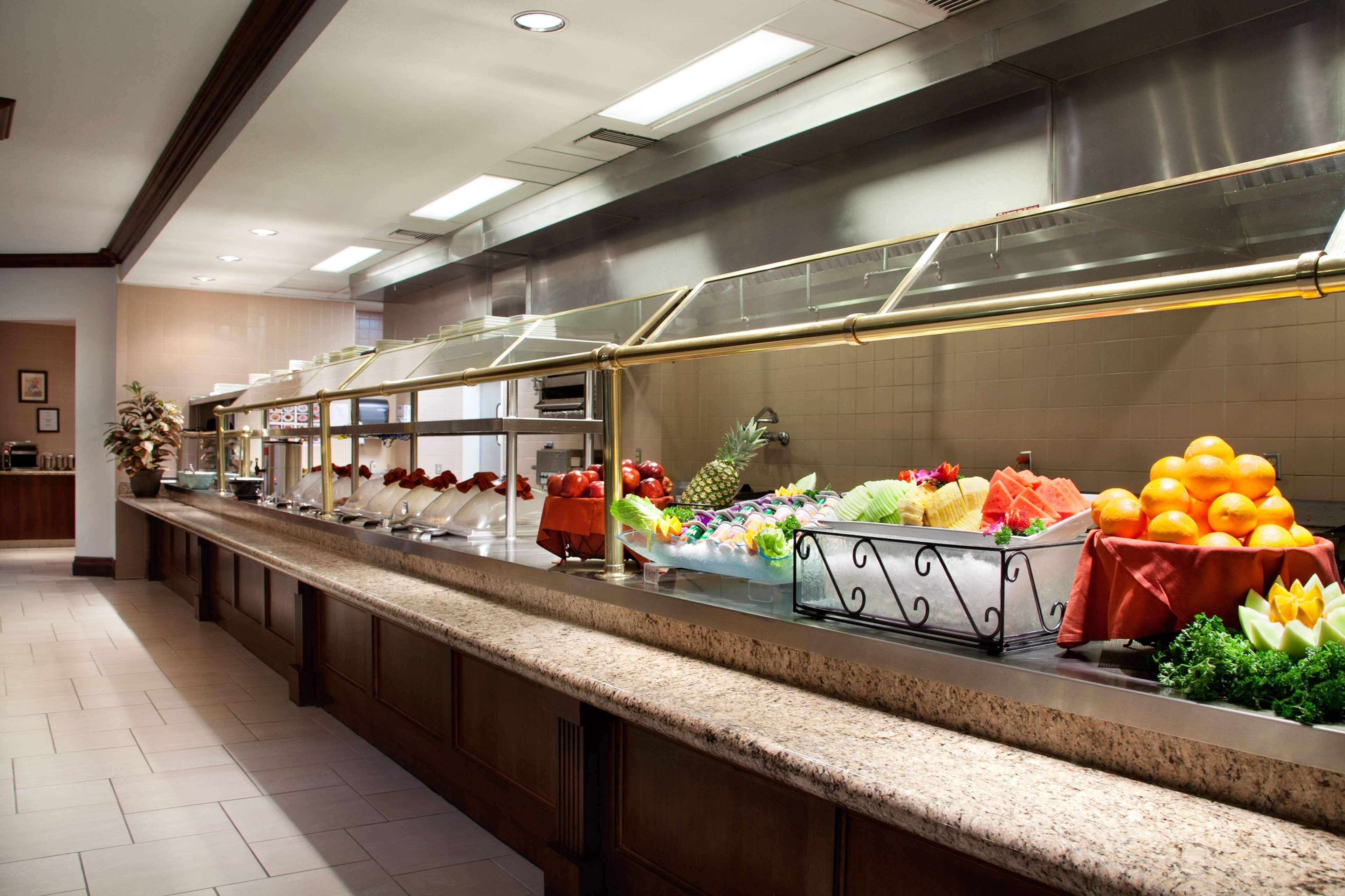 Embassy Suites by Hilton La Quinta Hotel & Spa image 12