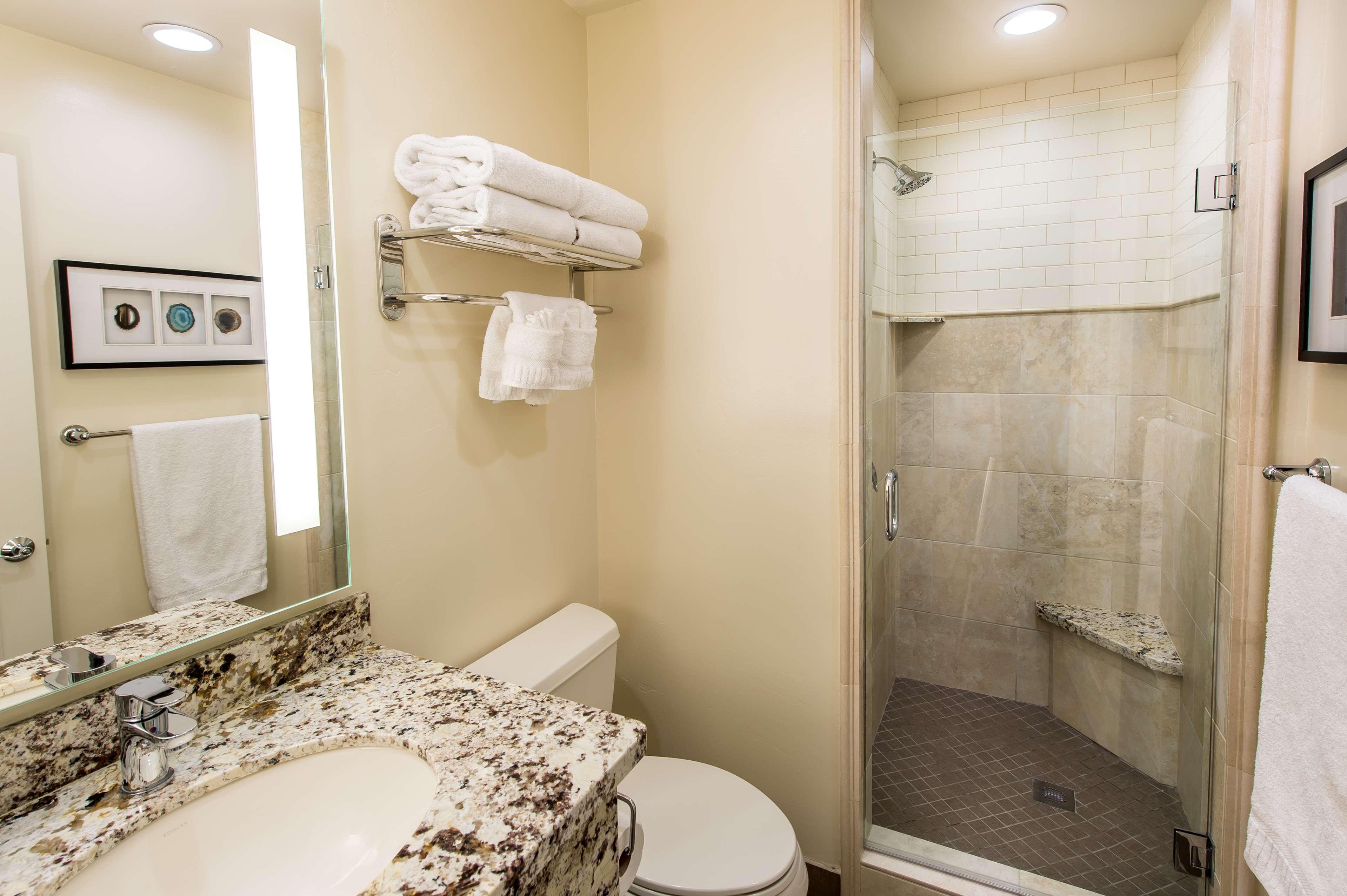 Best Western Plus Arroyo Roble Hotel & Creekside Villas image 33