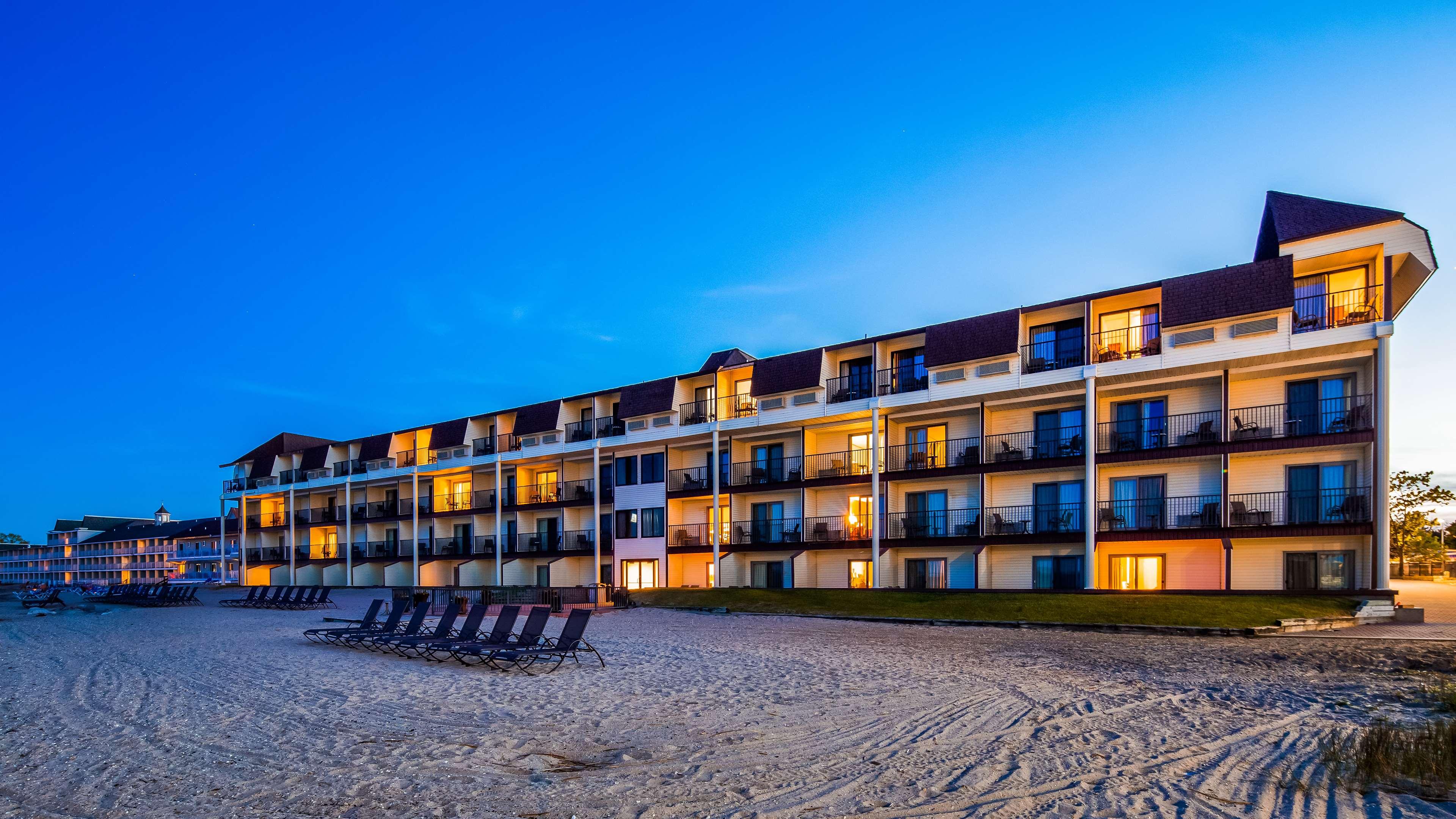 Best Western Plus Dockside Waterfront Inn image 2