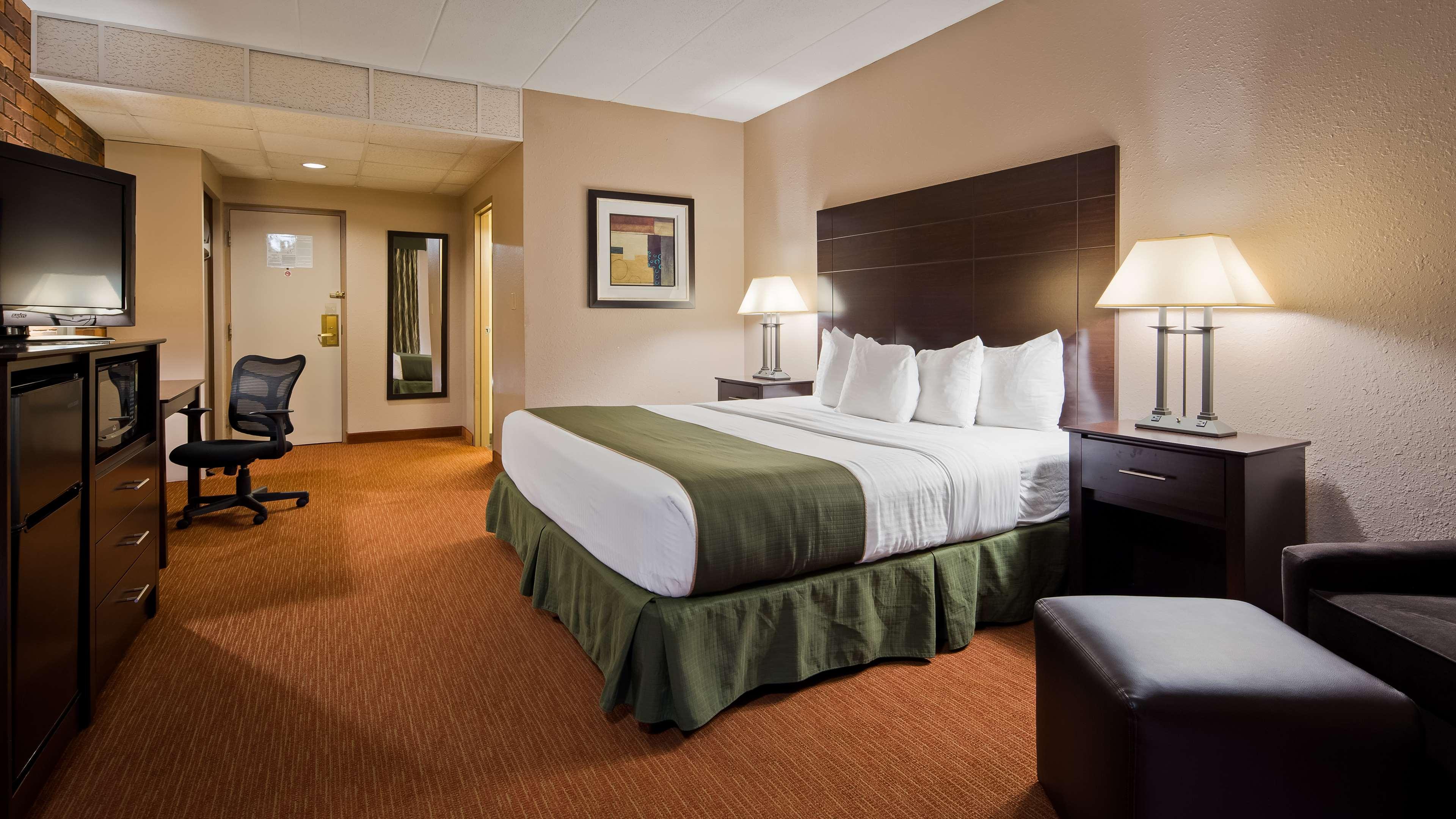 Best Western Valley Plaza Inn image 14