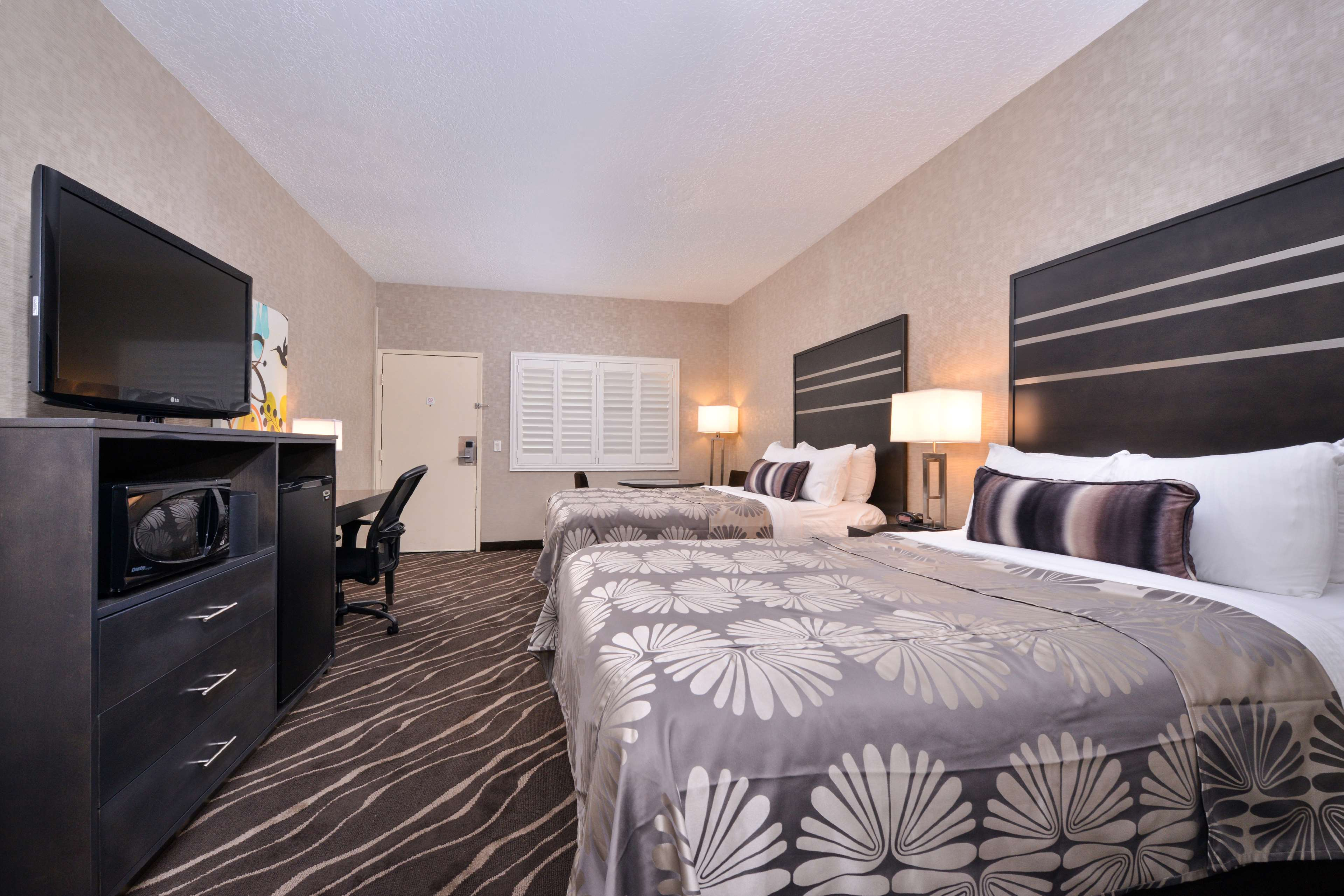 Best Western Plus Park Place Inn - Mini Suites image 22