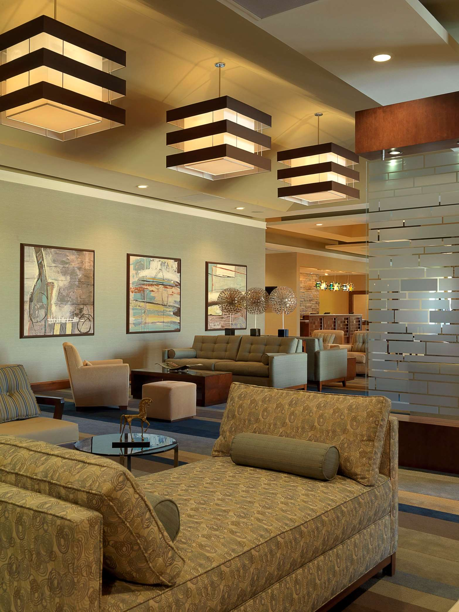 DoubleTree by Hilton Hotel Collinsville - St. Louis image 2