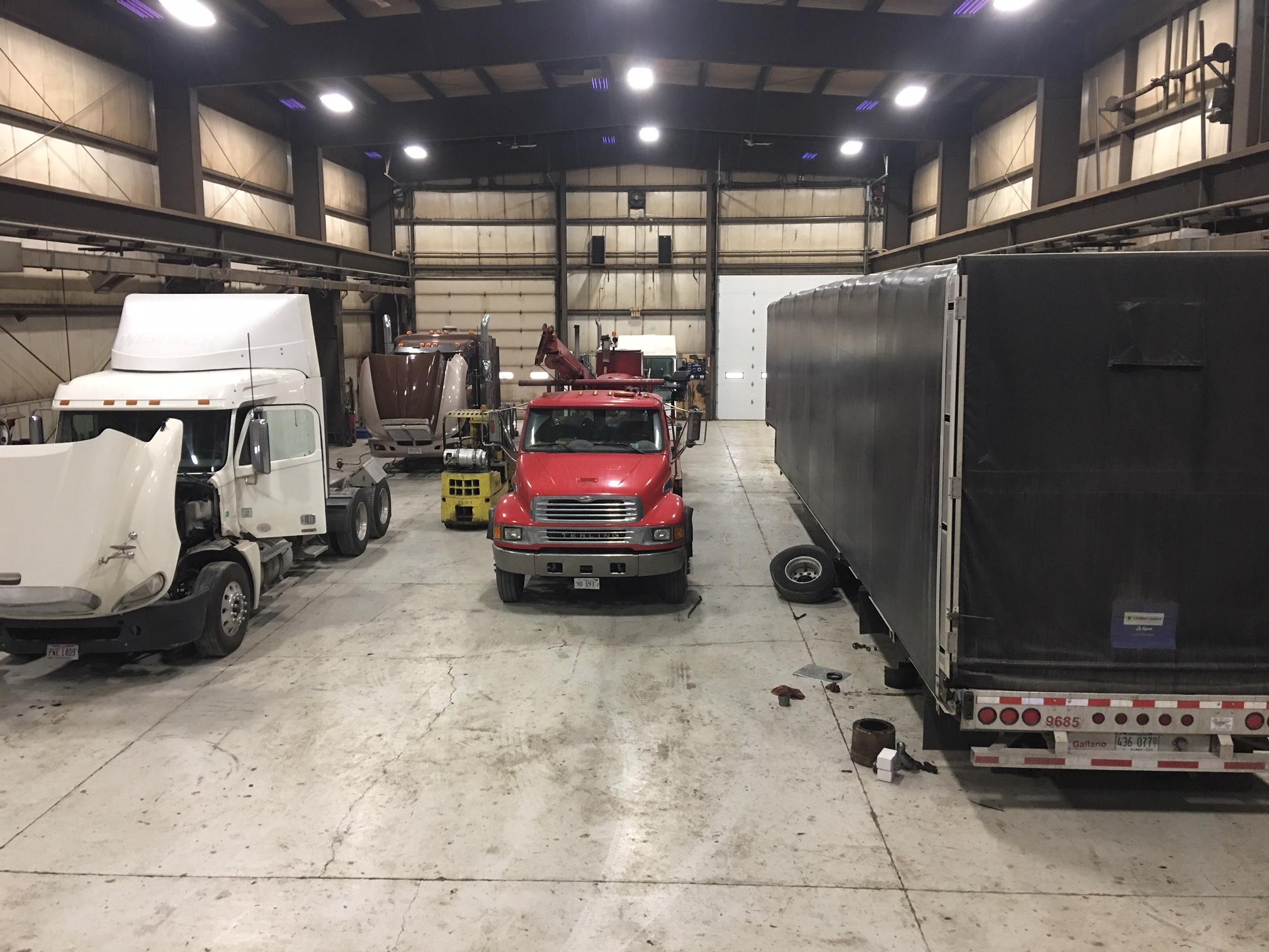 Decker 24 Hour Truck & Trailer, Inc. image 0