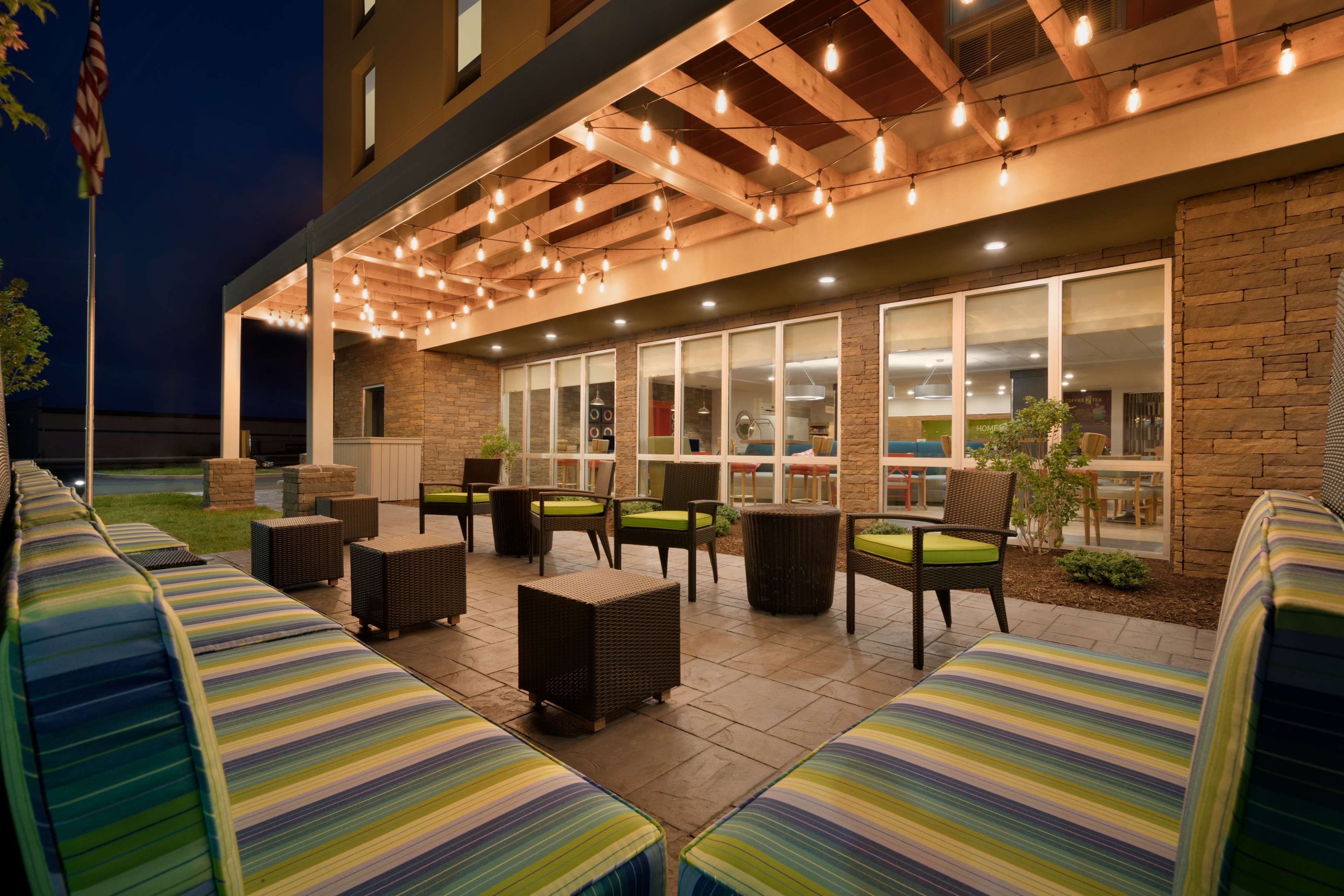 Home2 Suites by Hilton Roanoke image 1