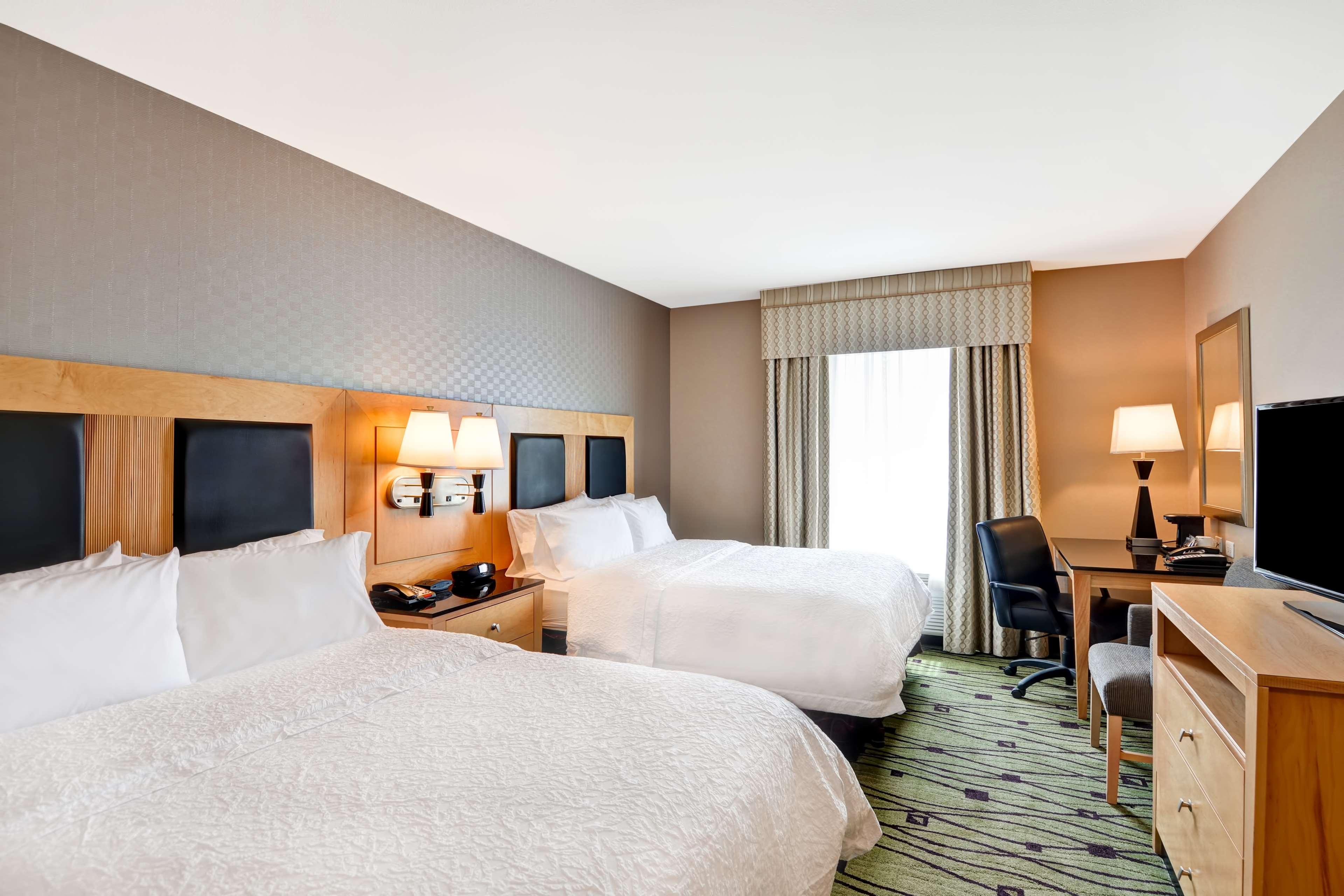 Hampton Inn & Suites Raleigh/Crabtree Valley image 37