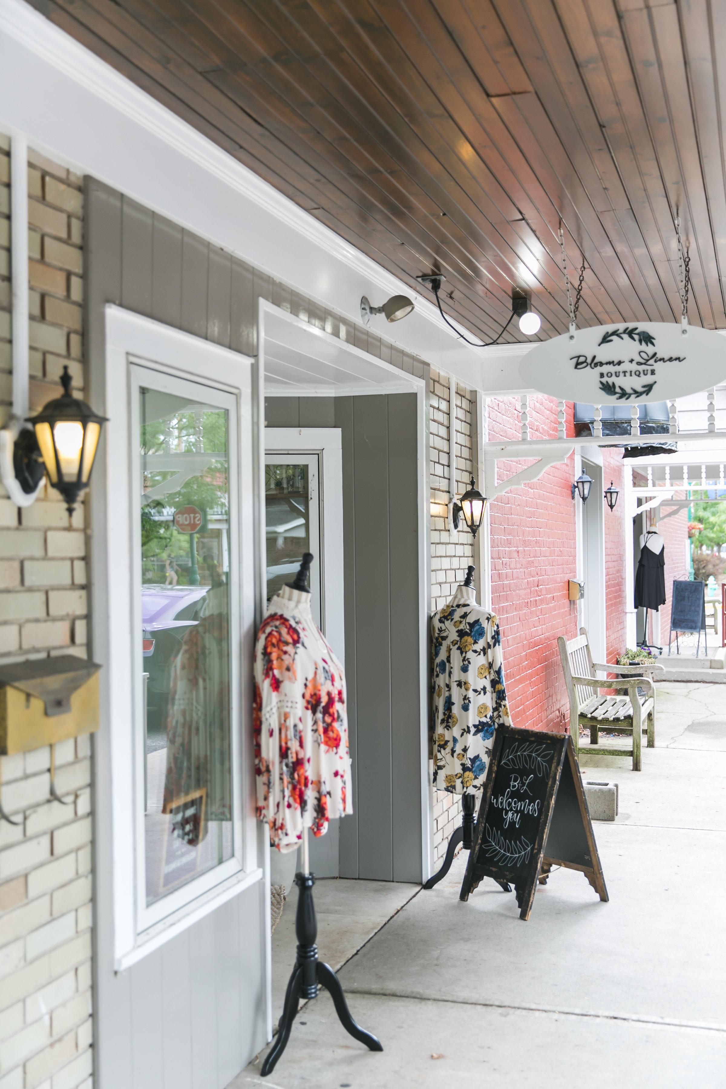 Blooms & Linen Boutique image 1