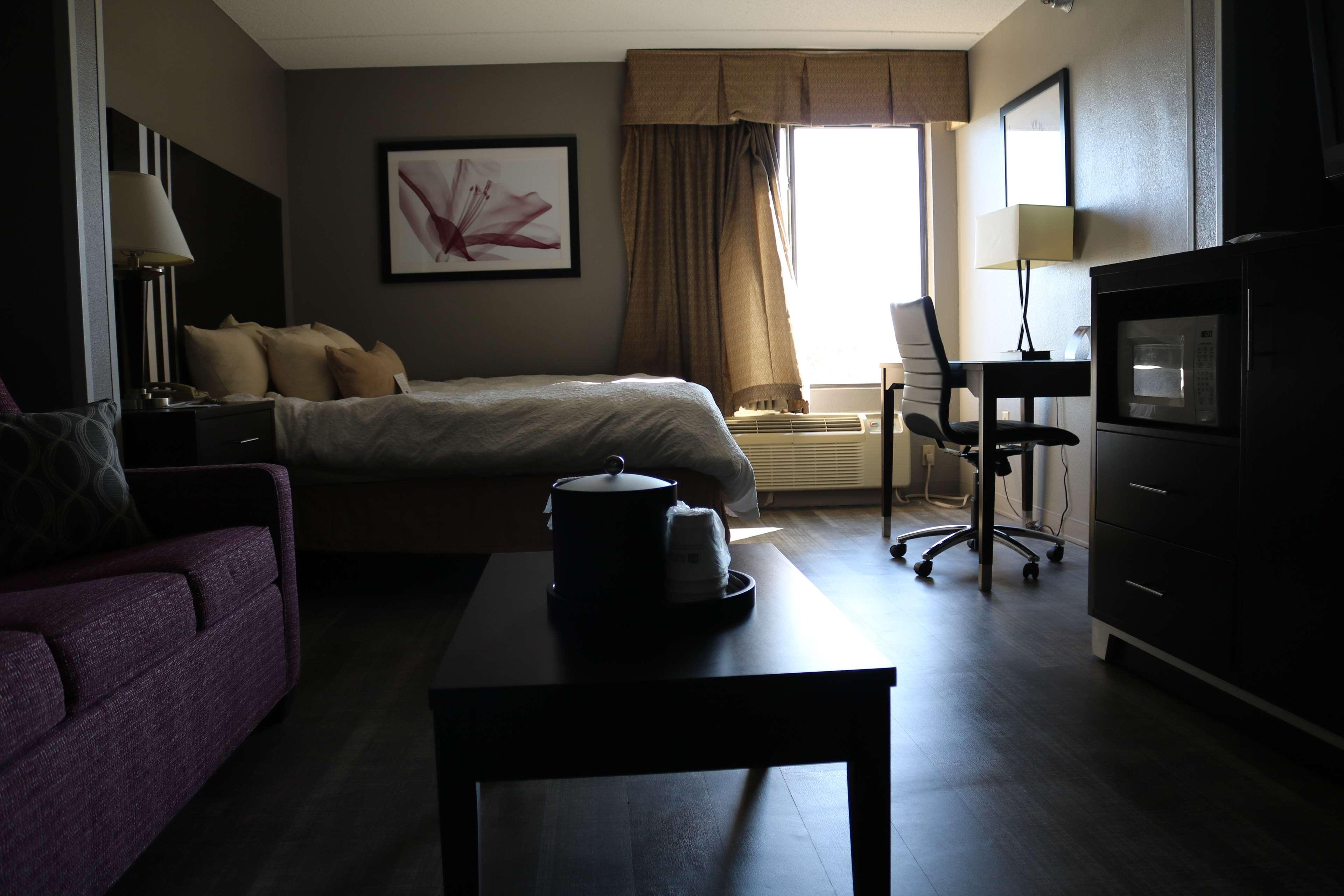 Best Western Plus Greensboro Airport Hotel image 17