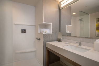 Courtyard by Marriott Cleveland Elyria image 6
