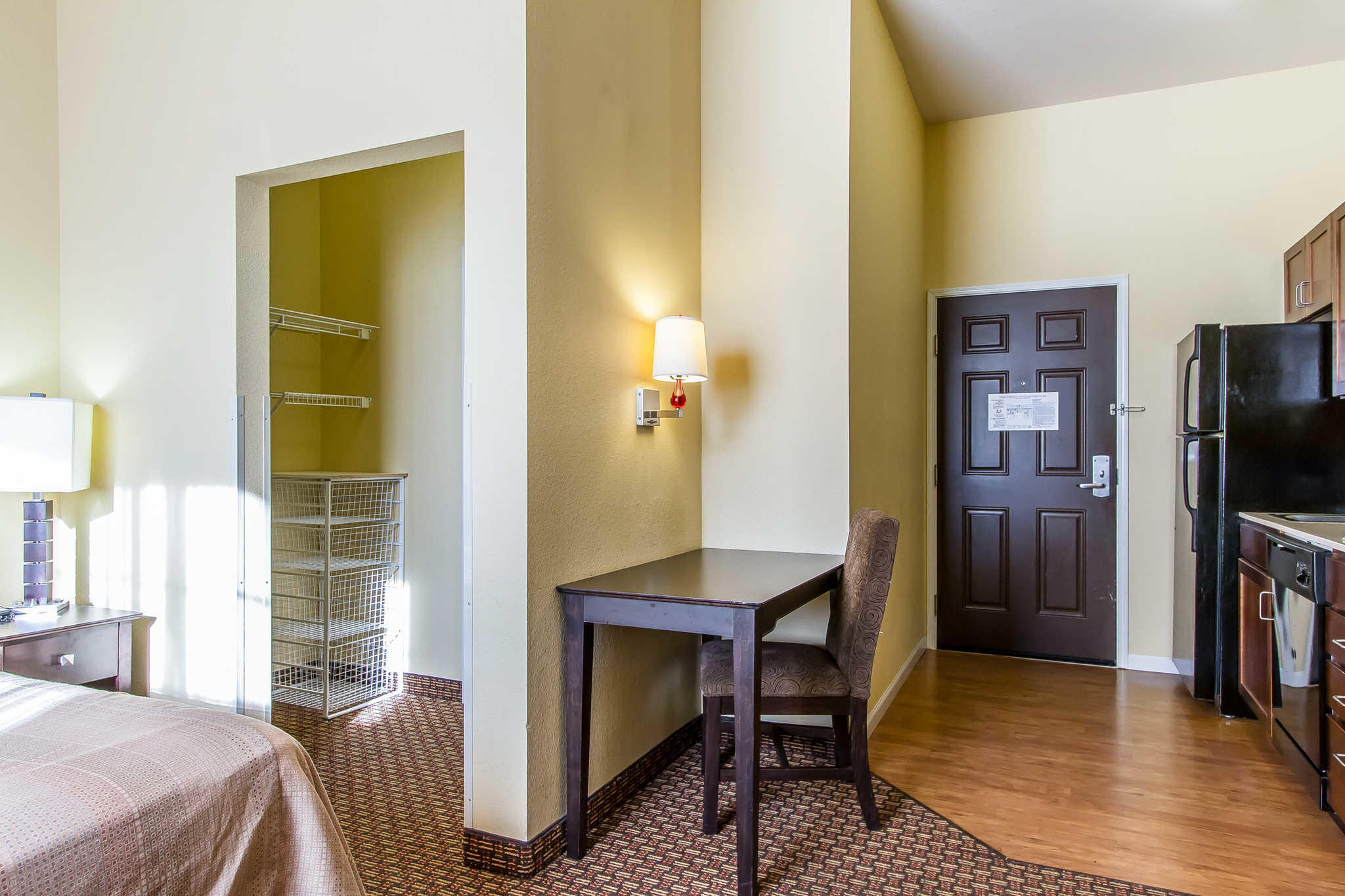 MainStay Suites Fort Campbell image 17