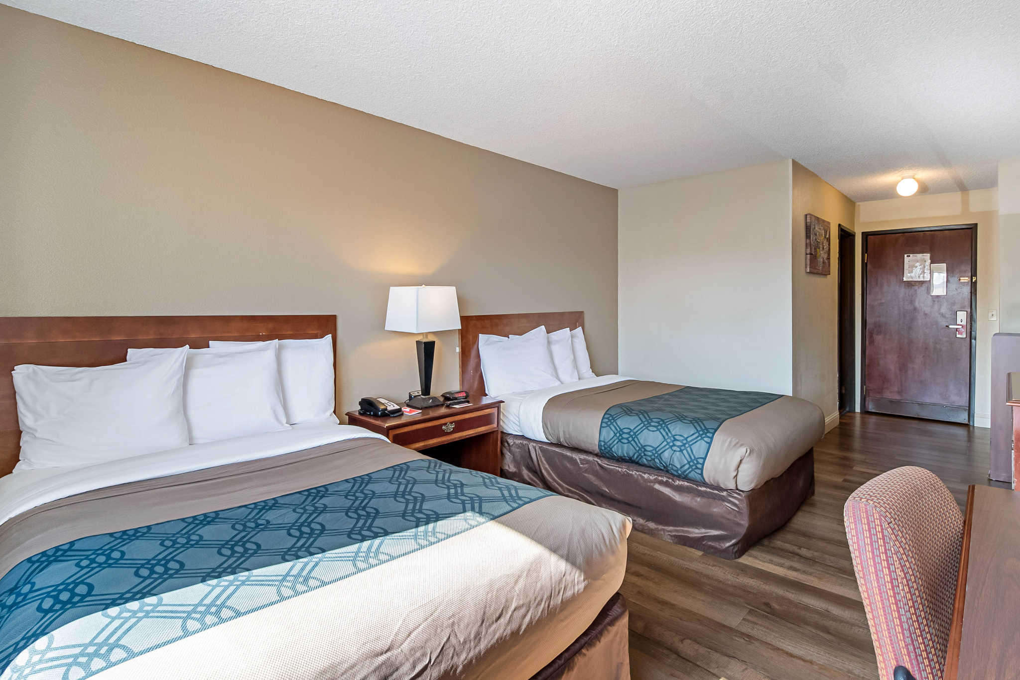 Econo Lodge Inn & Suites Yuba City - Marysville image 9