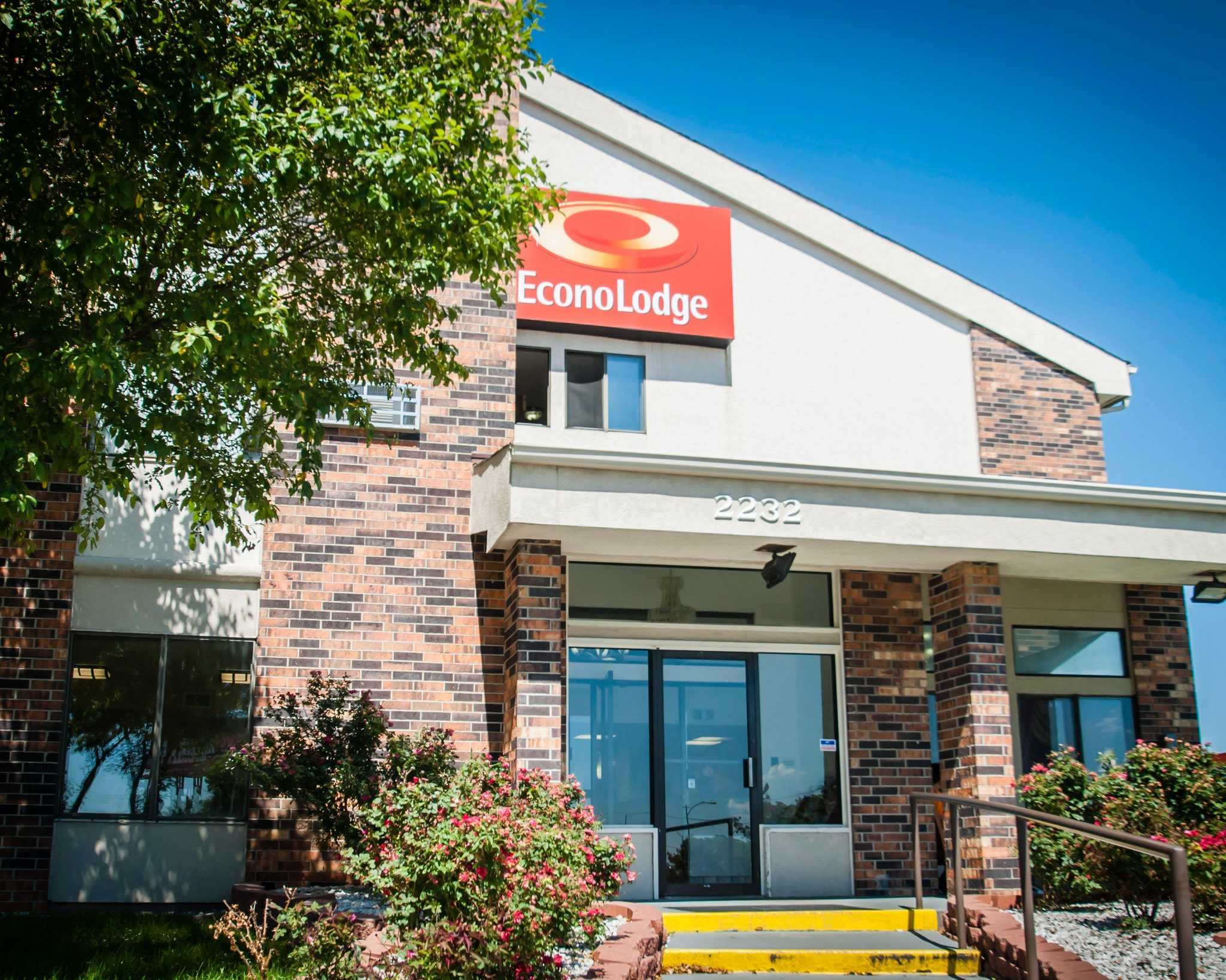 Econo Lodge Kansas City Downtown North image 2