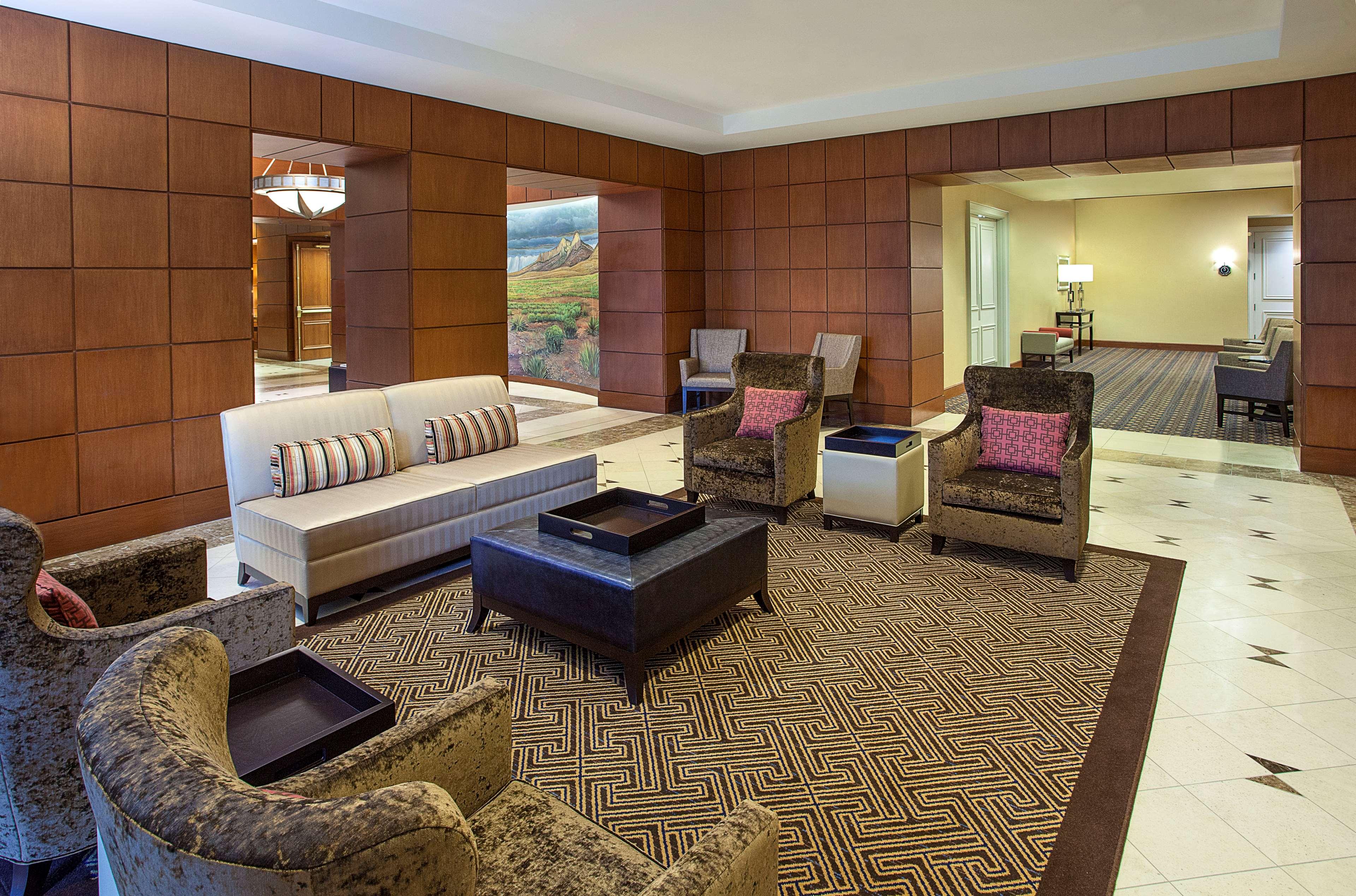 Sheraton Suites Houston Near The Galleria image 7