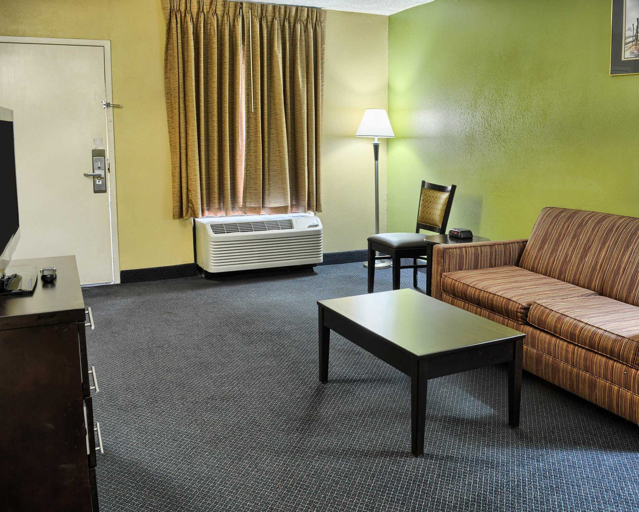 Quality Inn Fredericksburg, Central Park Area image 31