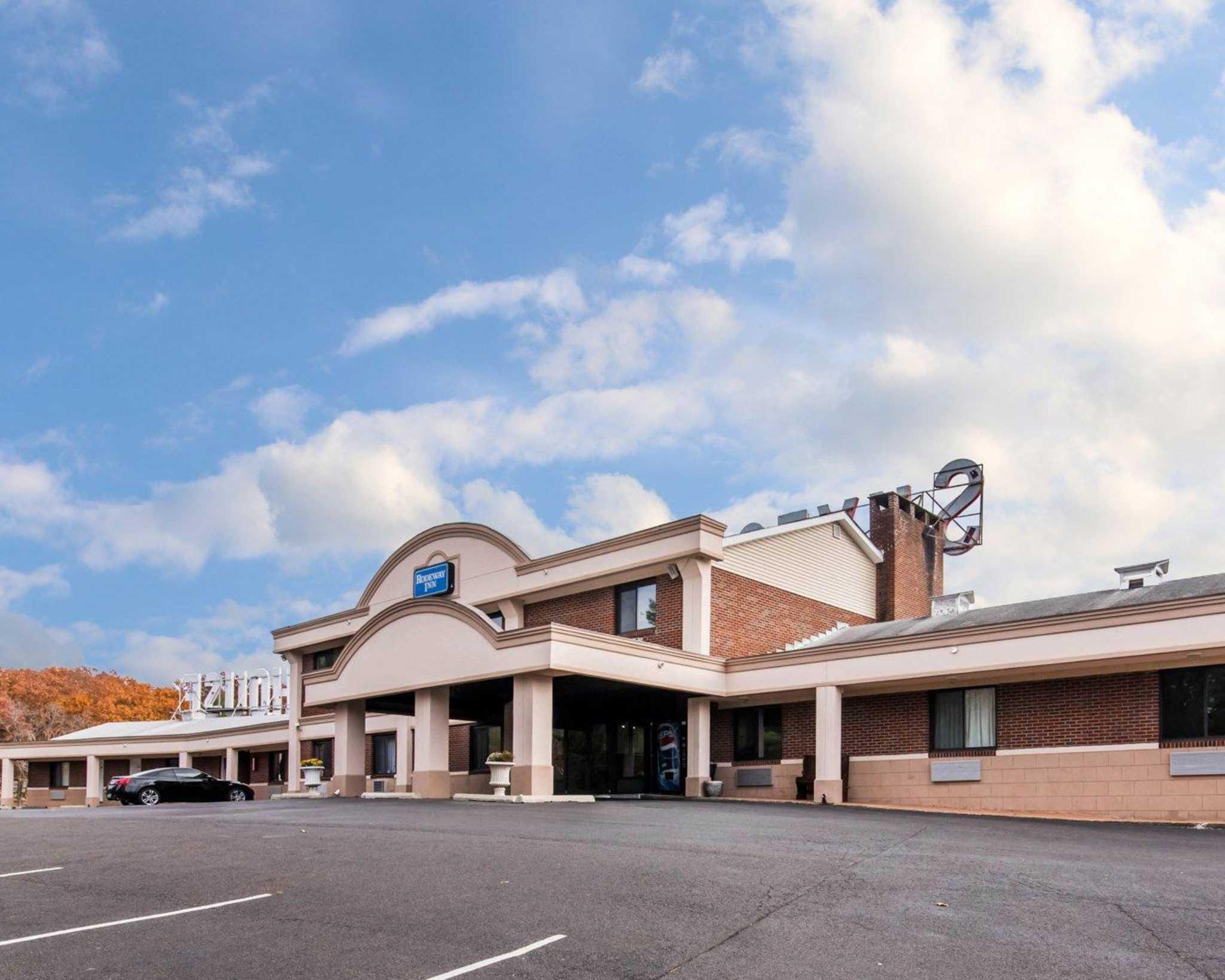 Rodeway Inn Skytop image 1