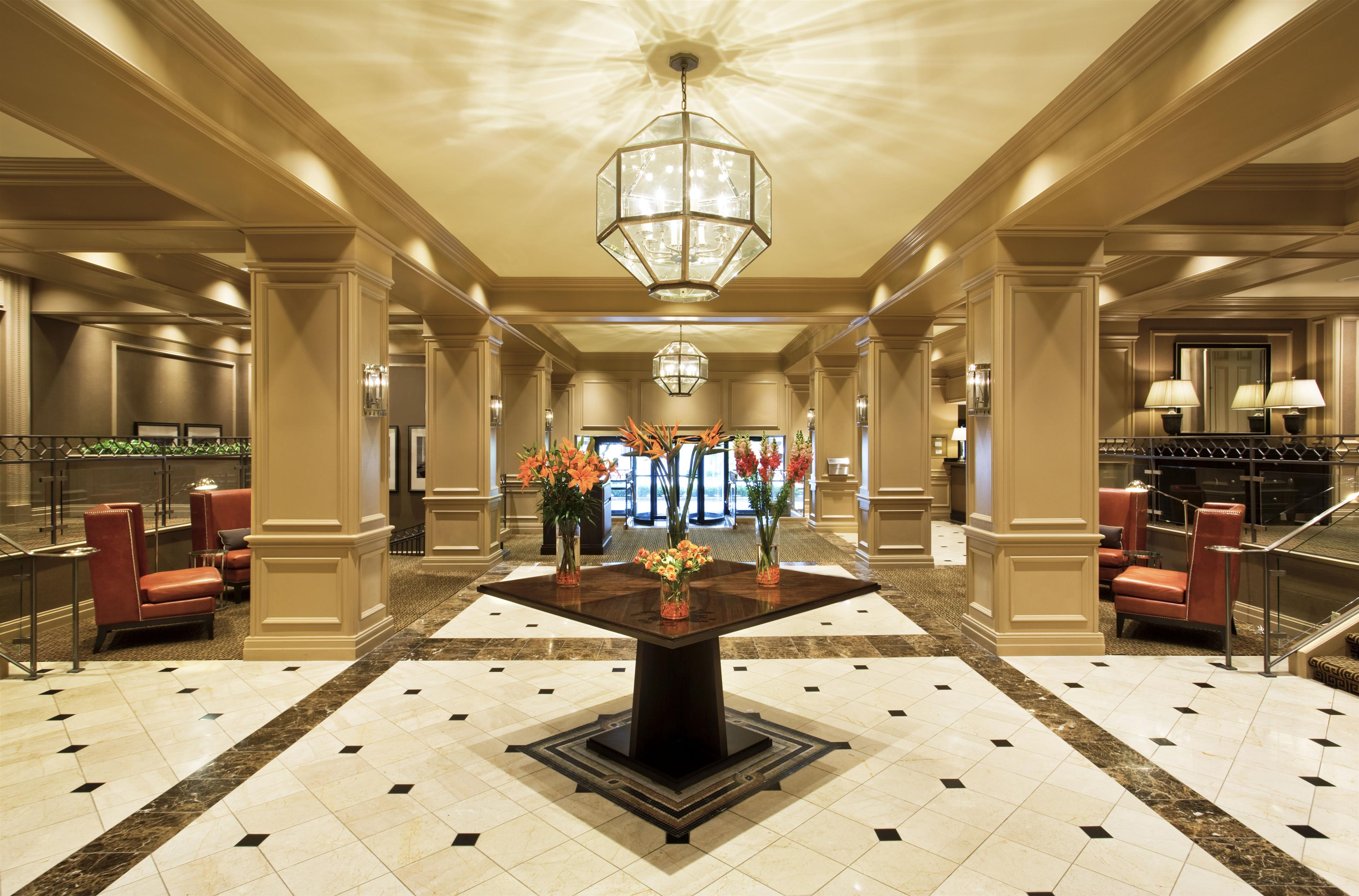 Hotels Near Plaza Frontenac St Louis
