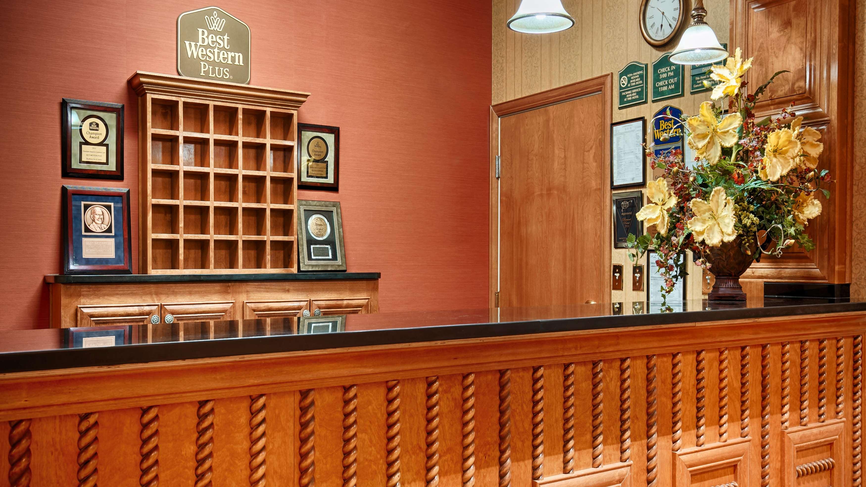 Best Western Plus Bradbury Inn & Suites image 2