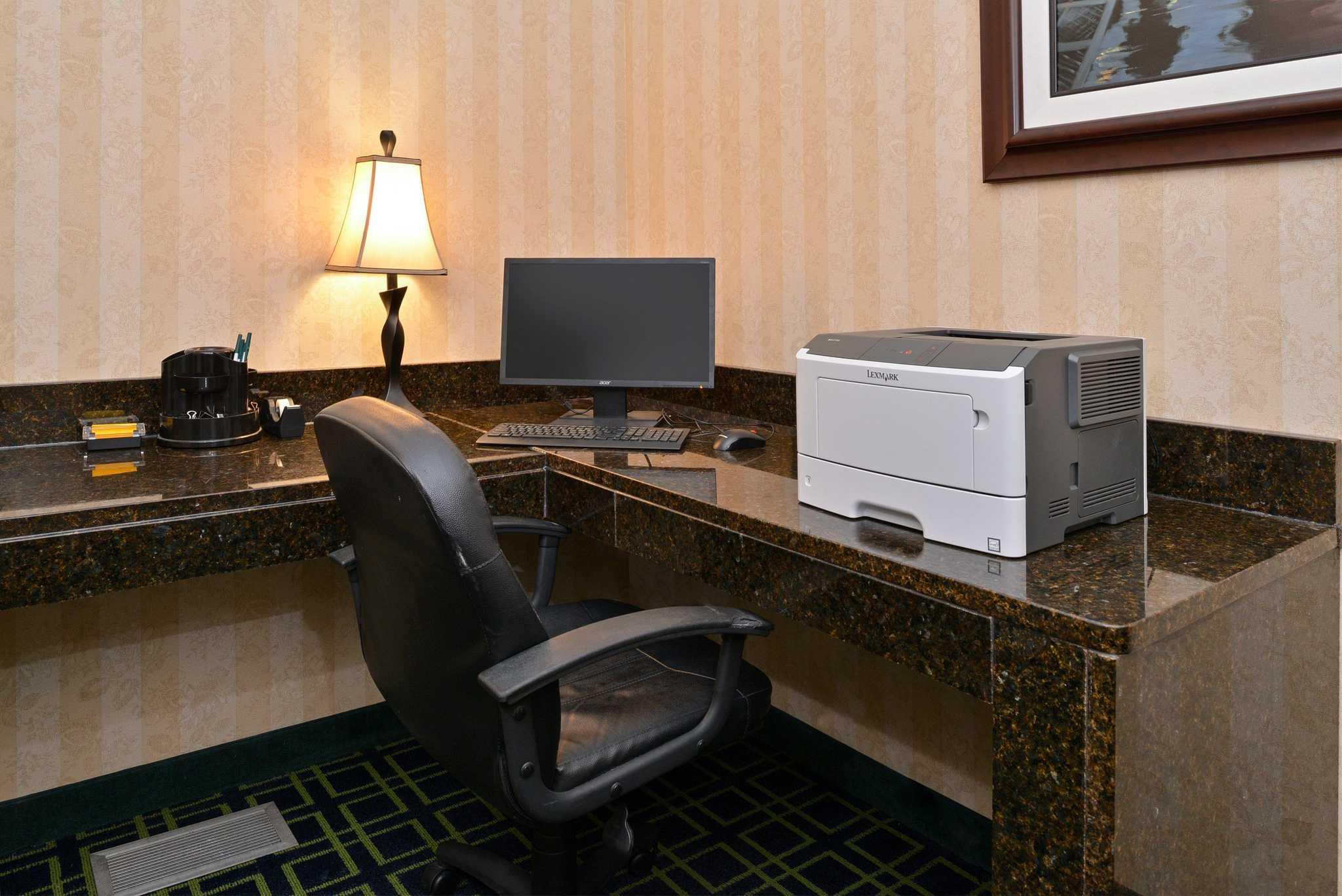 Quality Inn & Suites Jefferson City image 23