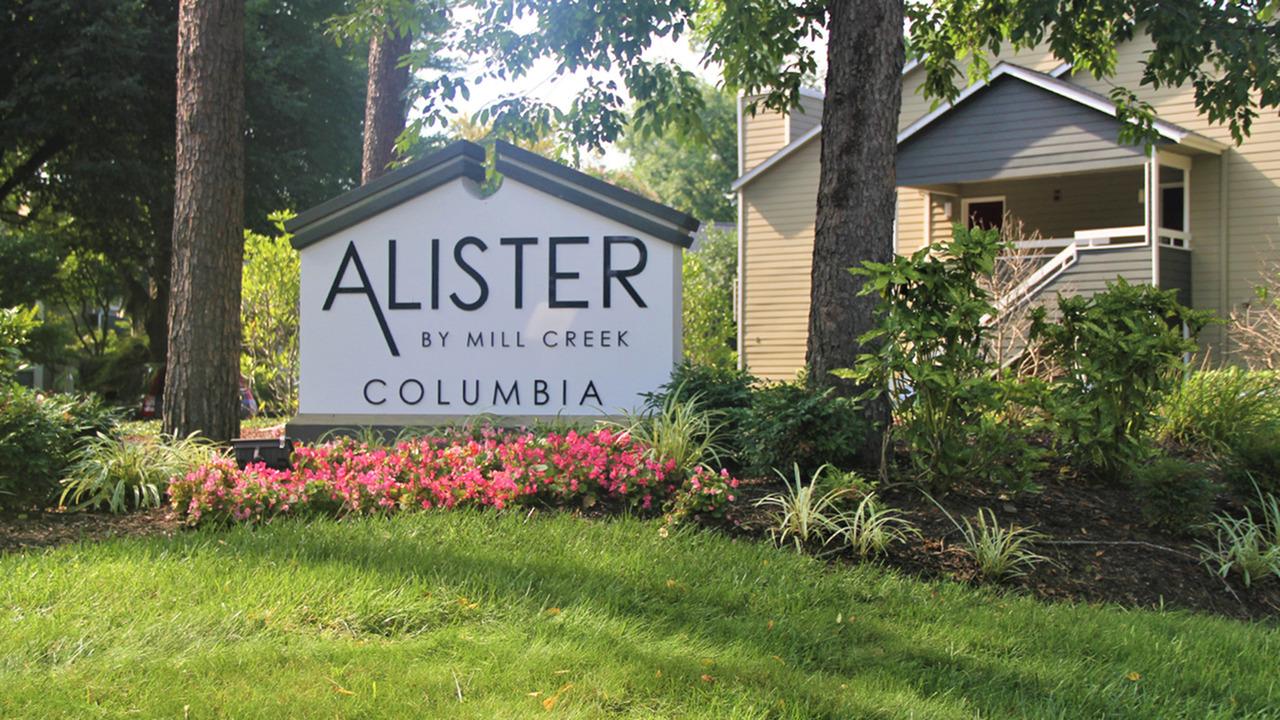 Alister Columbia image 15