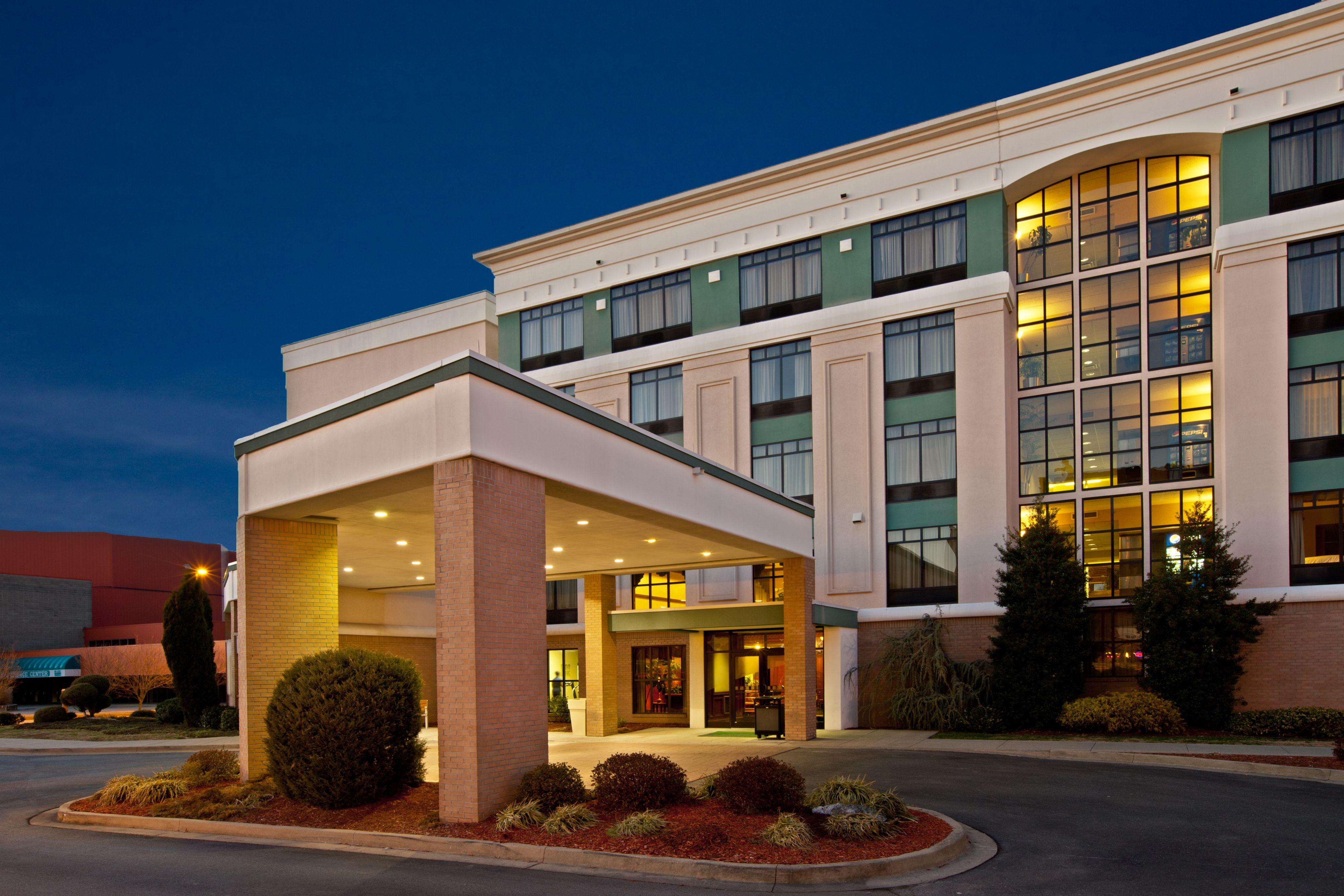 holiday inn hotel u0026 suites huntington civic arena in huntington