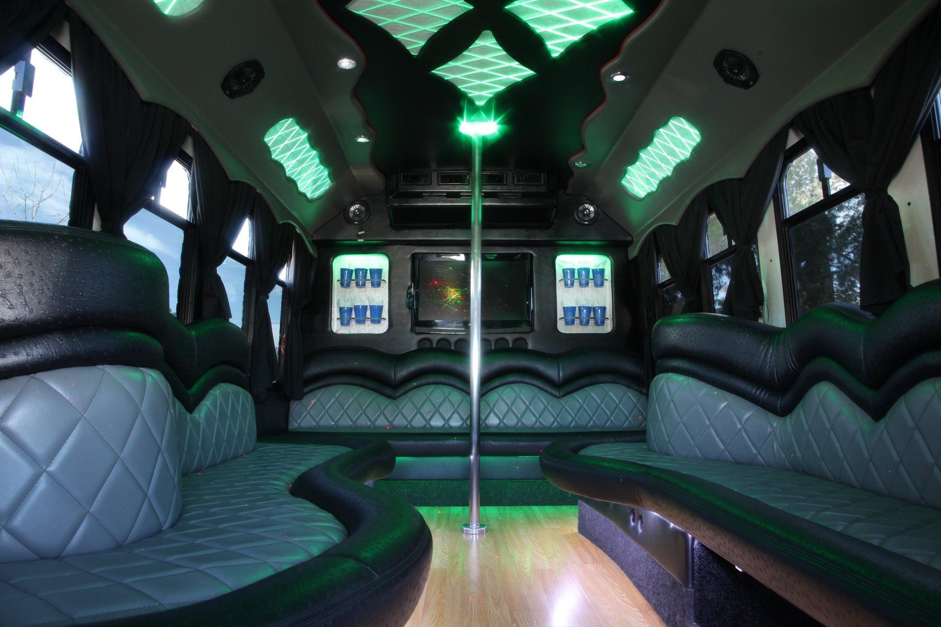 Royalty Limousine Services Inc image 0