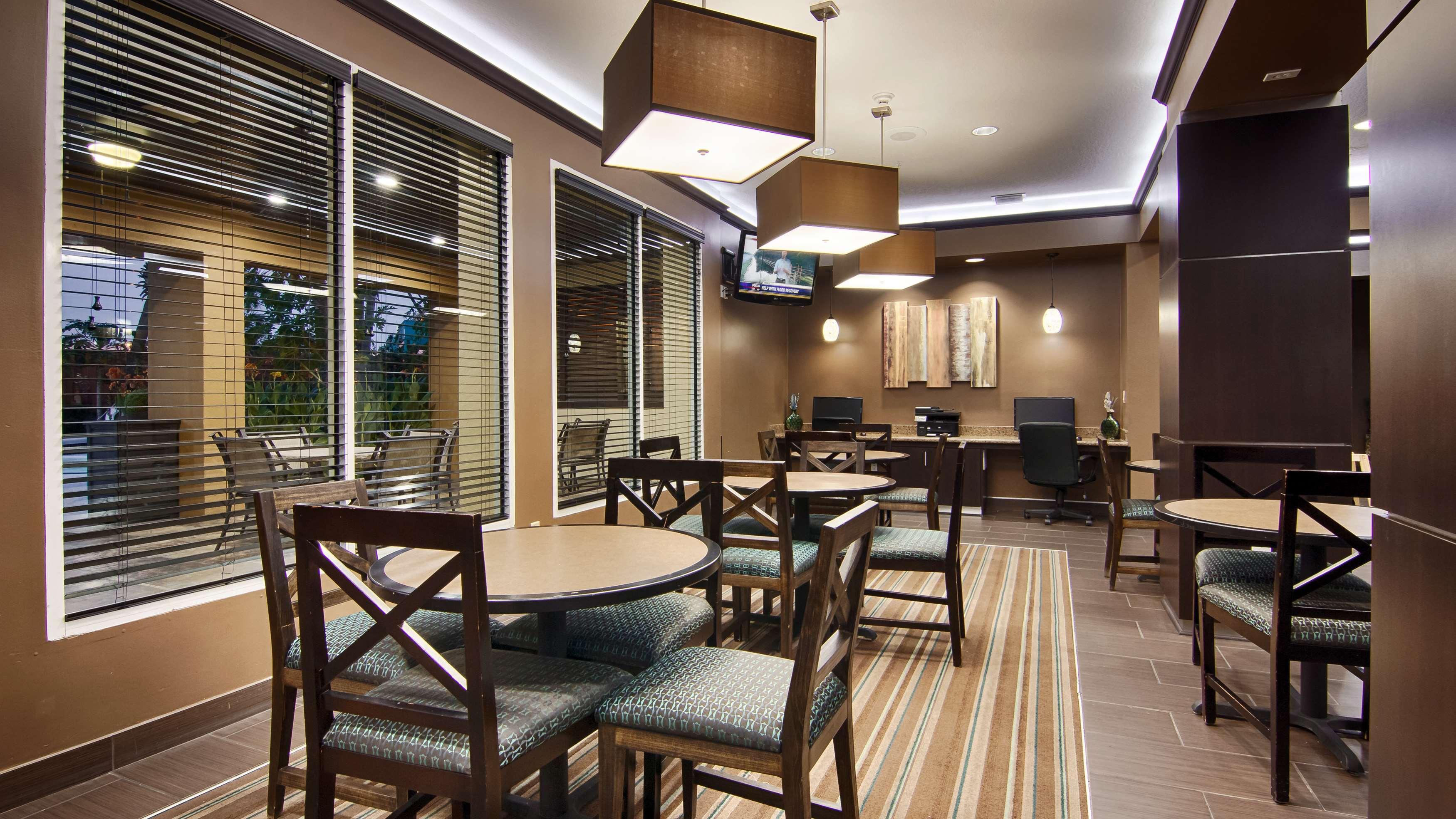 Best Western Plus Seawall Inn & Suites by the Beach image 5