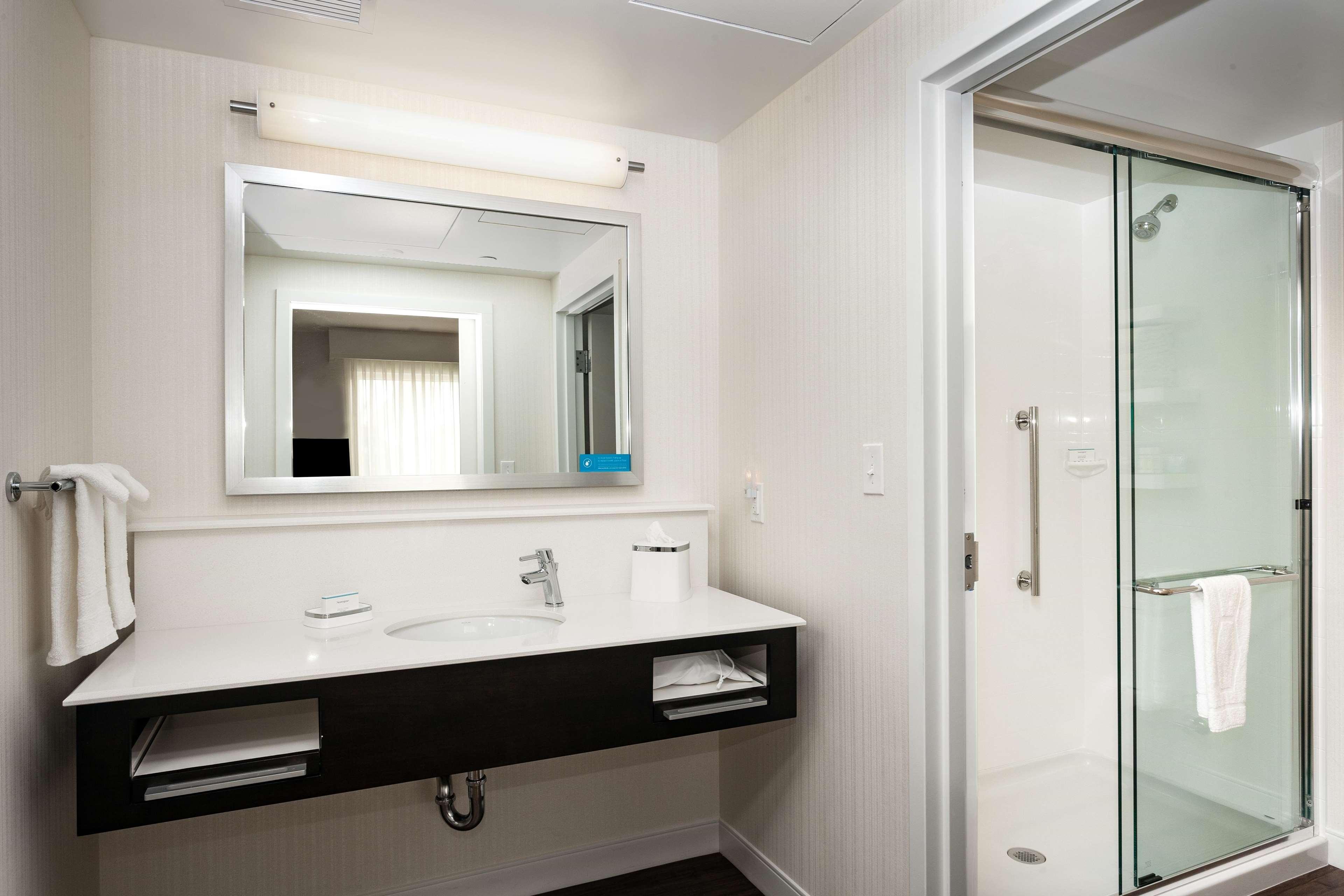 Hampton Inn & Suites by Hilton Seattle/Northgate image 29