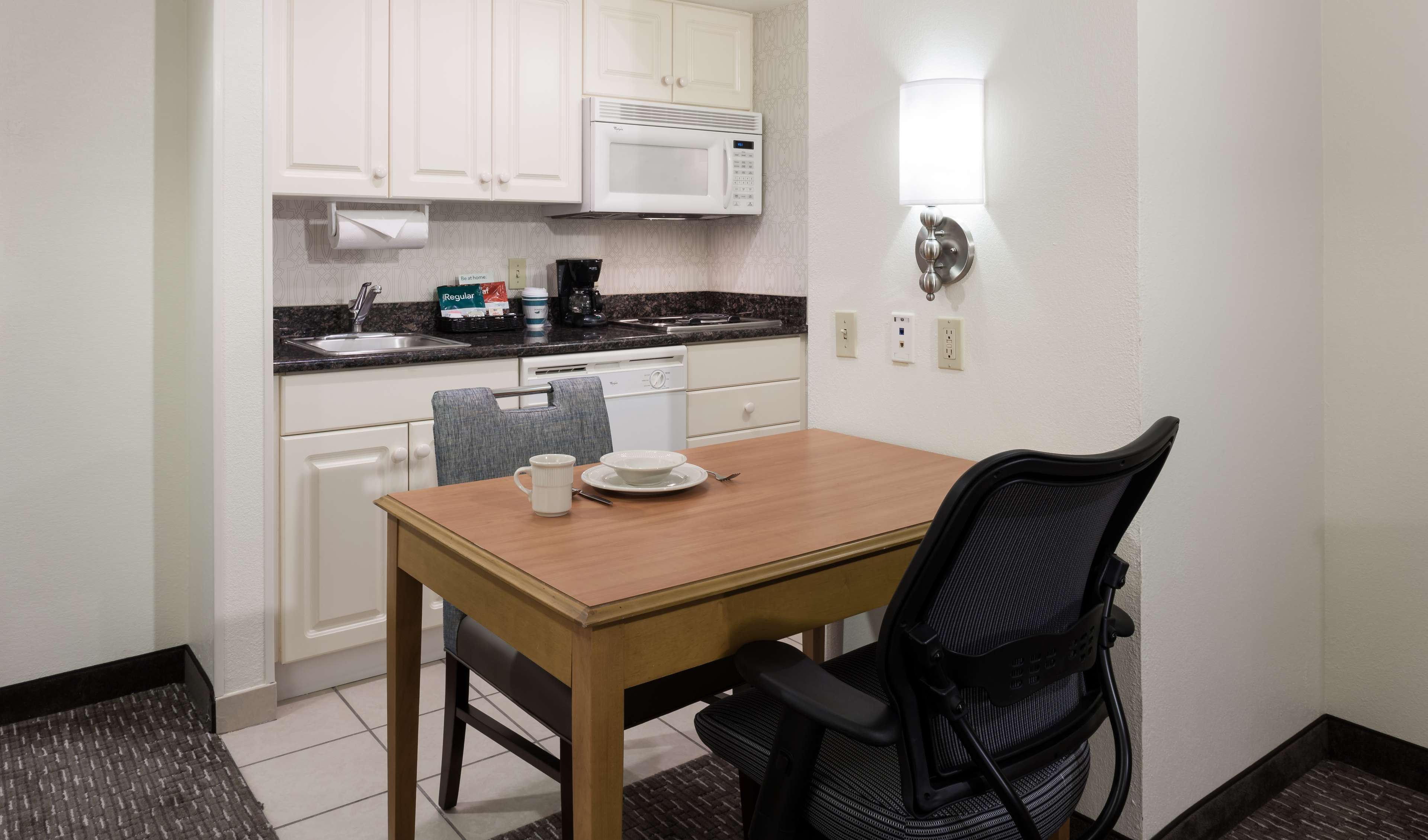 Homewood Suites by Hilton Miami-Airport/Blue Lagoon image 30
