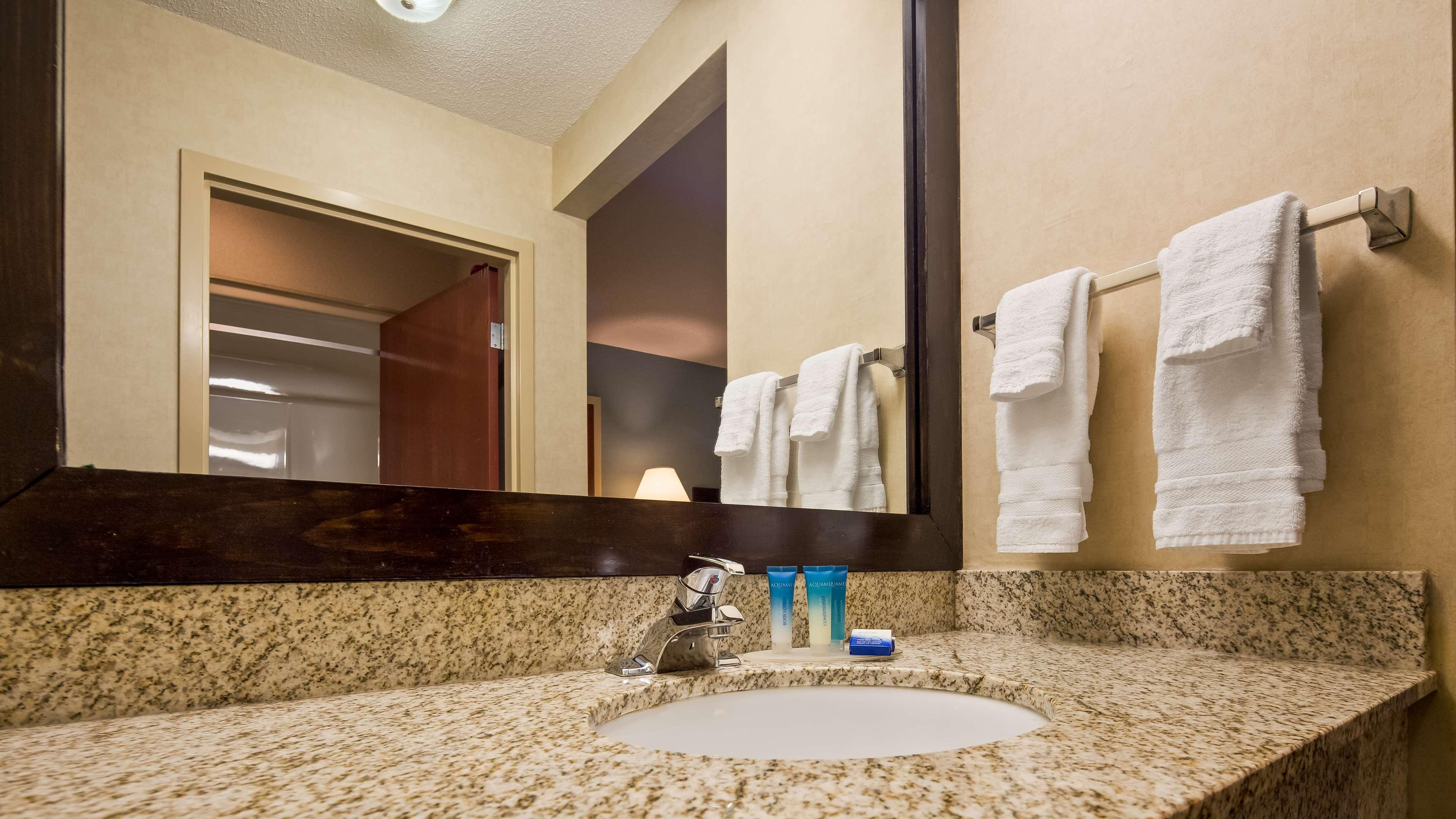 Best Western Plus Berkshire Hills Inn & Suites image 35