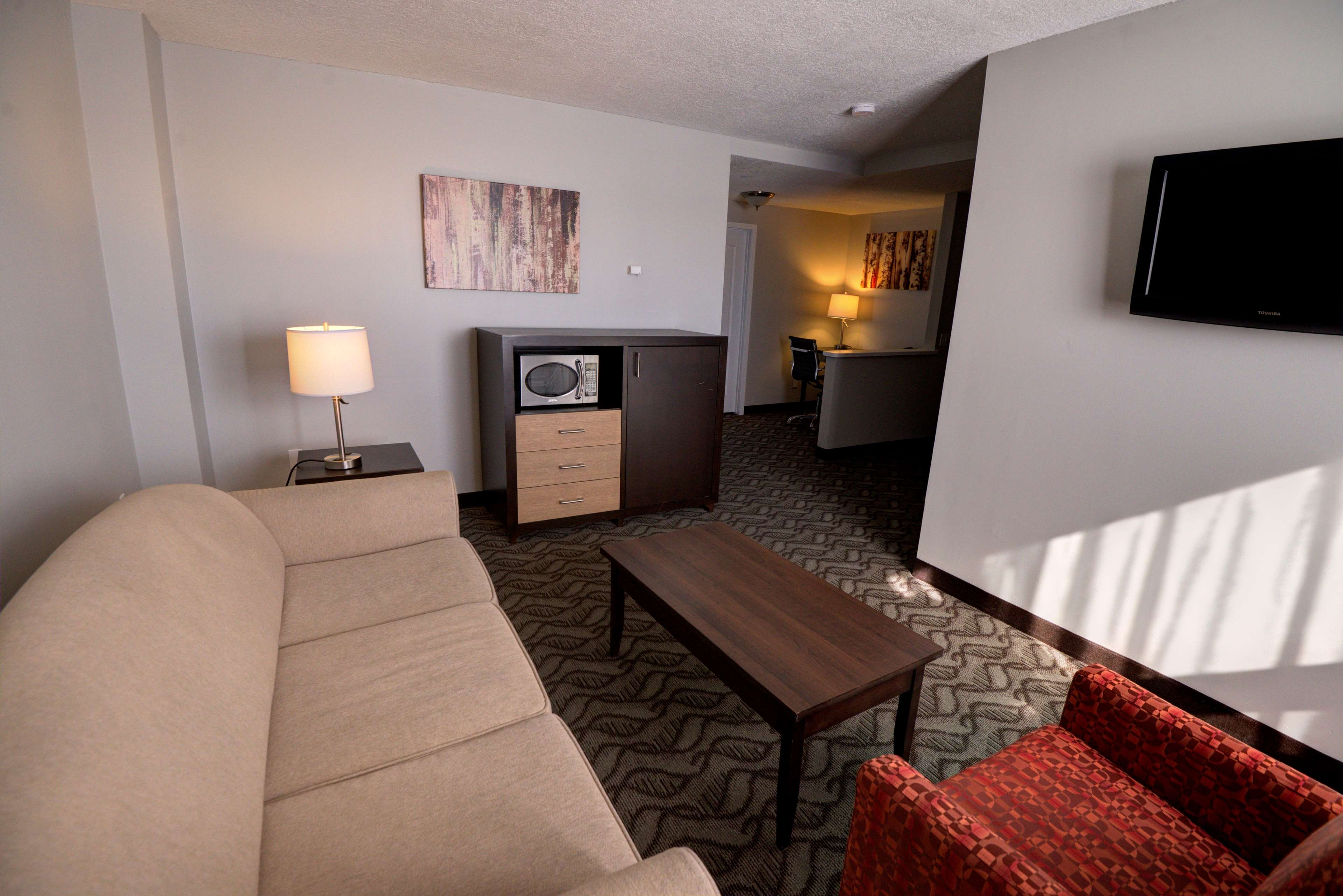Best Western Airdrie in Airdrie: King Suite