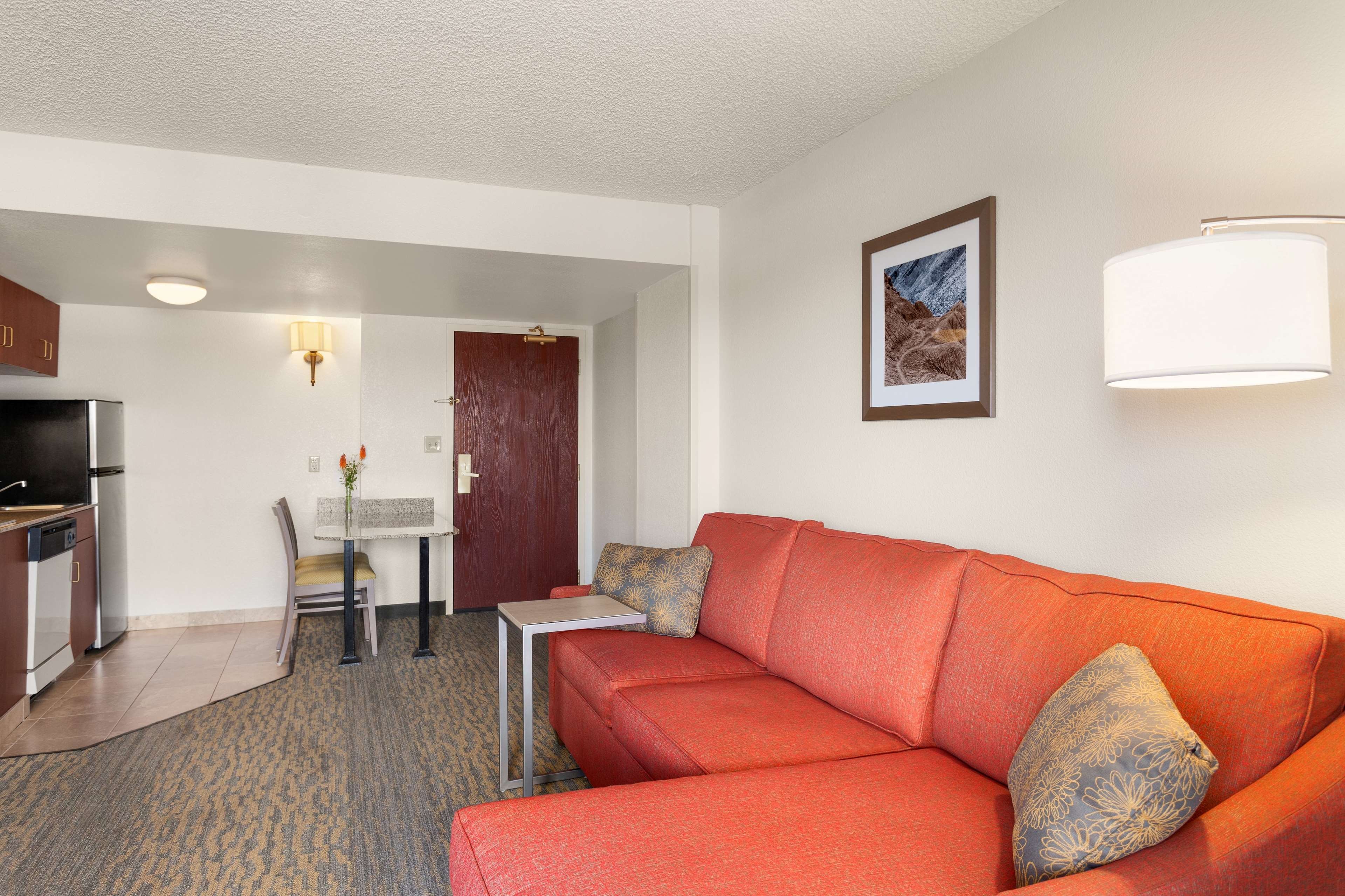 Hampton Inn & Suites Denver-Cherry Creek image 14