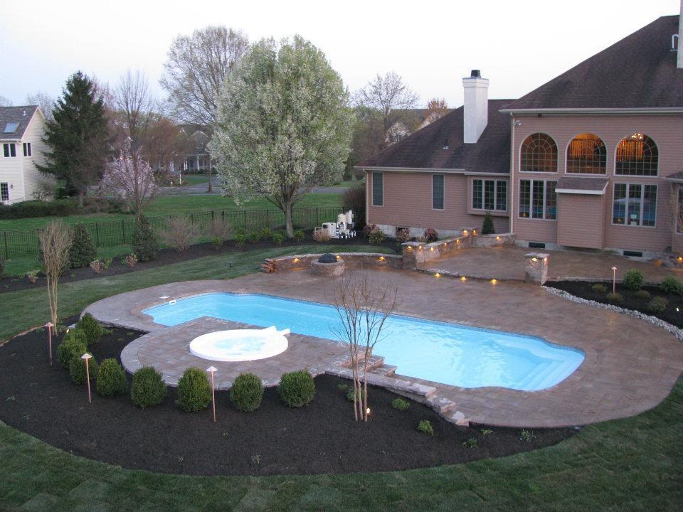 G & G Landscaping image 2