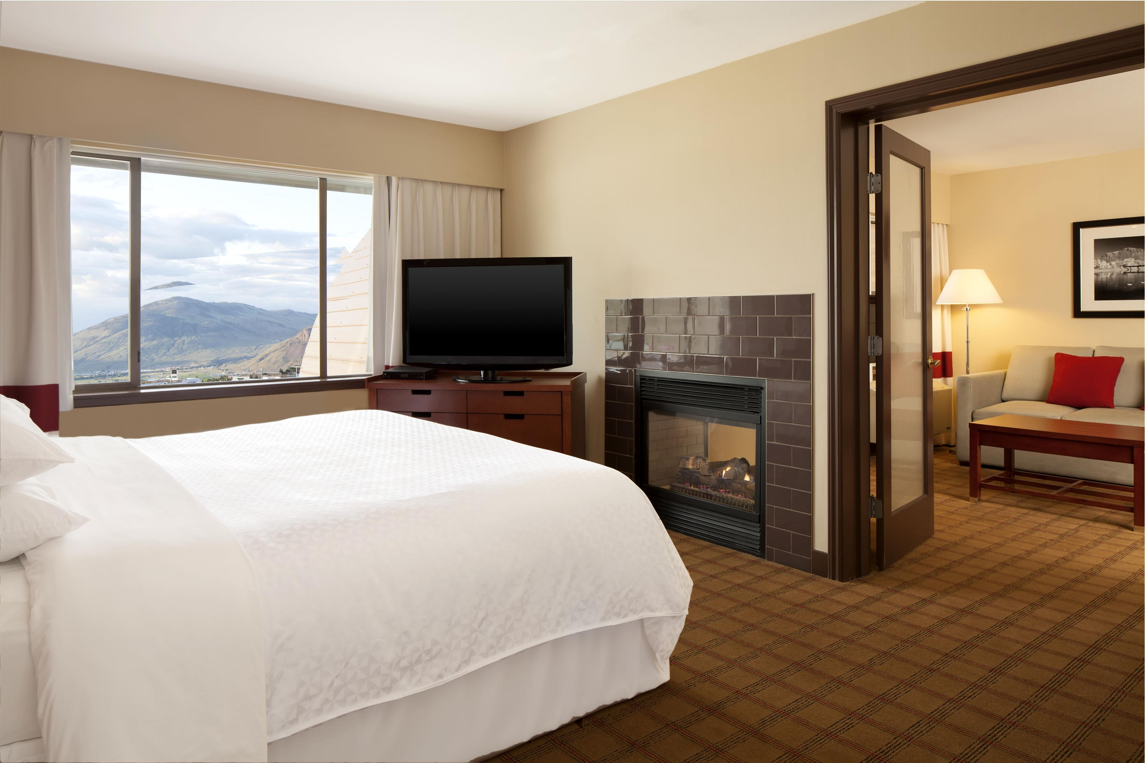 Four Points by Sheraton Kamloops in Kamloops: King Suite with a Jacuzzi