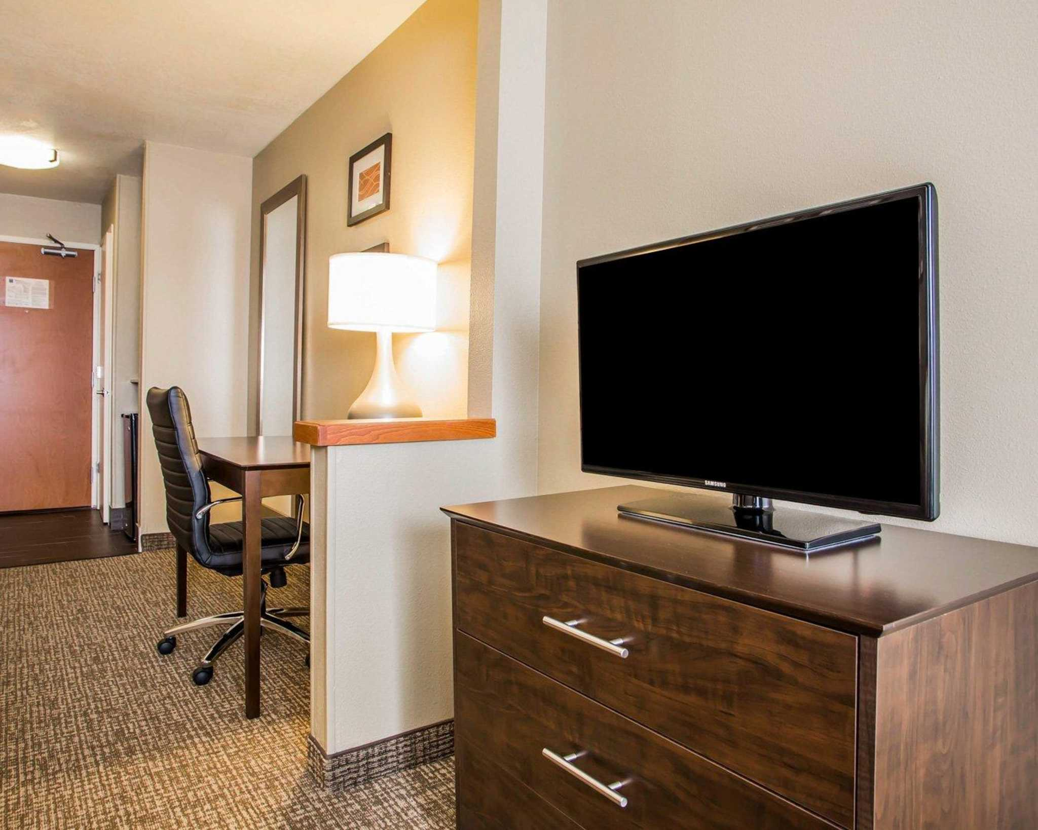 Comfort Inn & Suites Waterloo – Cedar Falls image 28